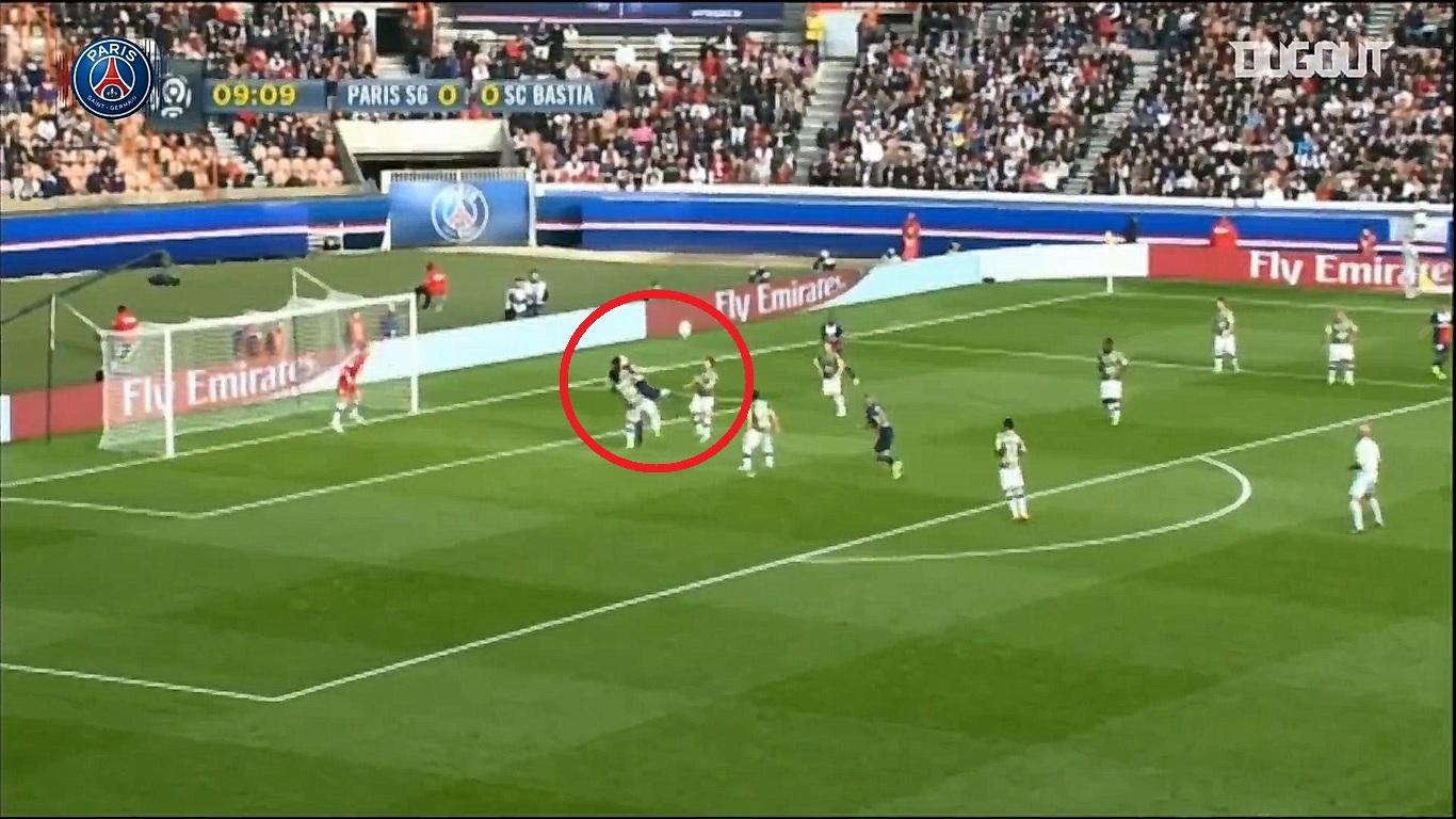 Football - Ligue 1 - En attendant le foot : la volée du talon d'Ibrahimovic contre Bastia