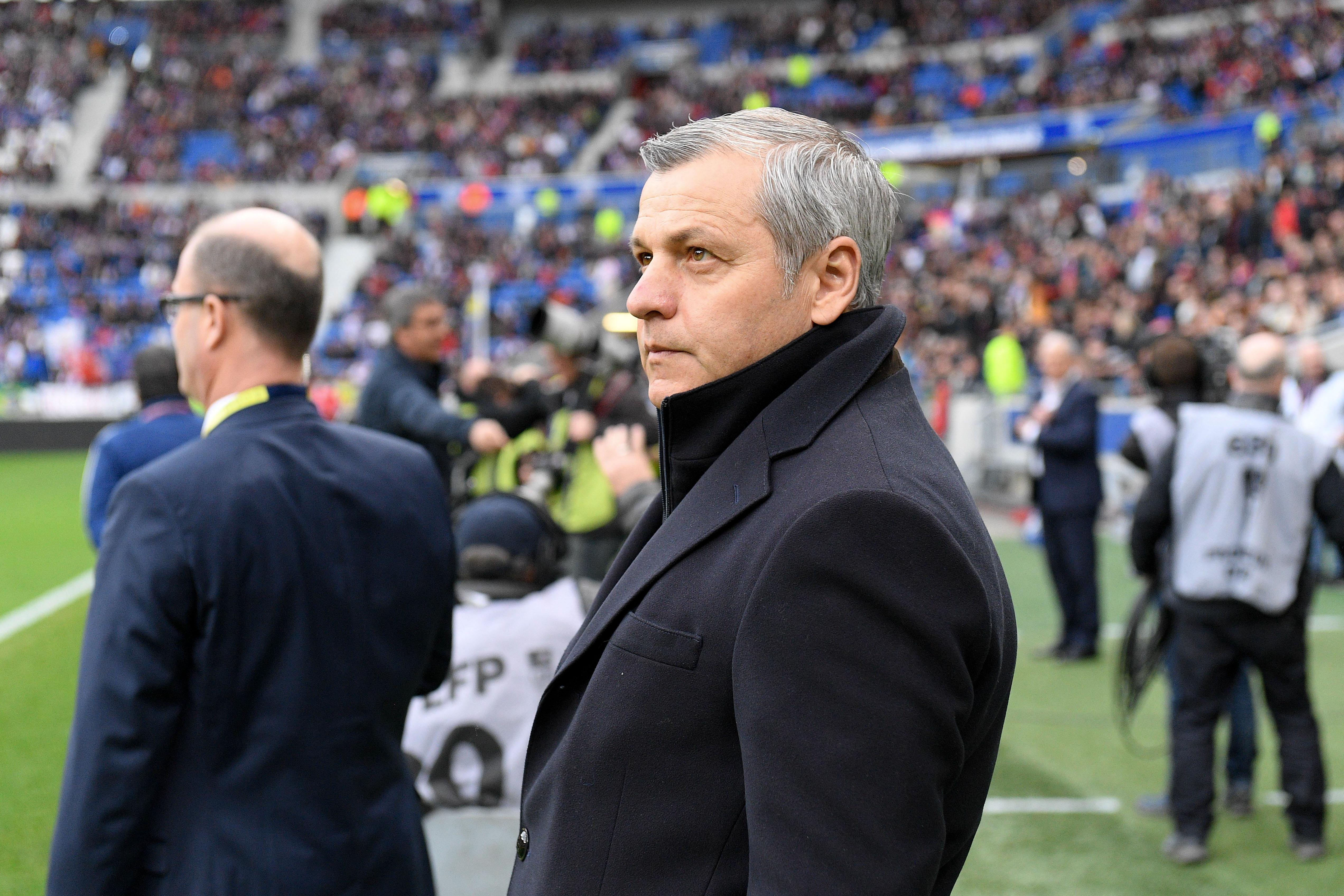 Football - Ligue 1 - Genesio prolongé seulement si Lyon termine sur le podium en Ligue 1 ?