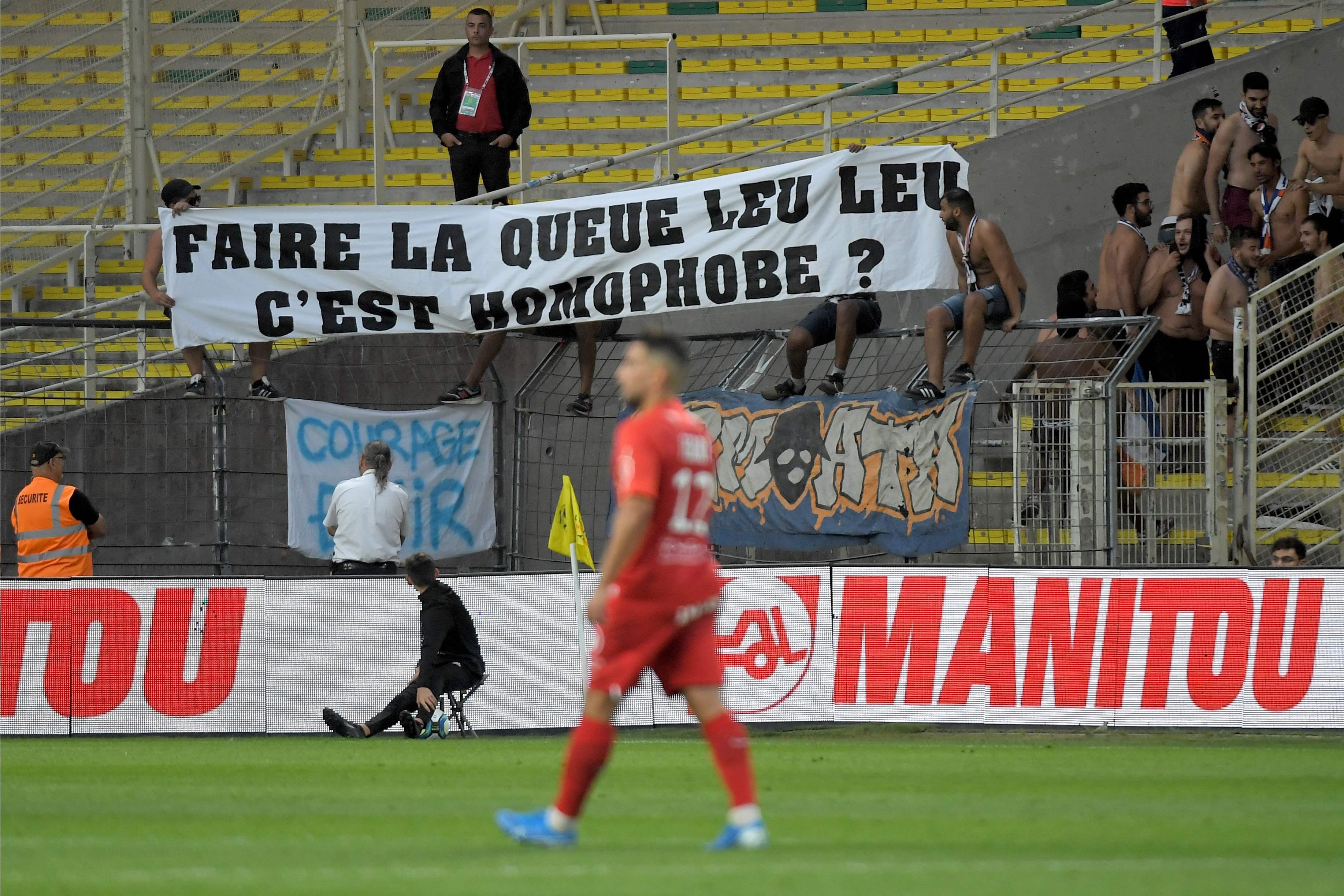 Football - Ligue 1 - Homophobie: des banderoles hostiles aux instances dans les stades de L1 ce samedi