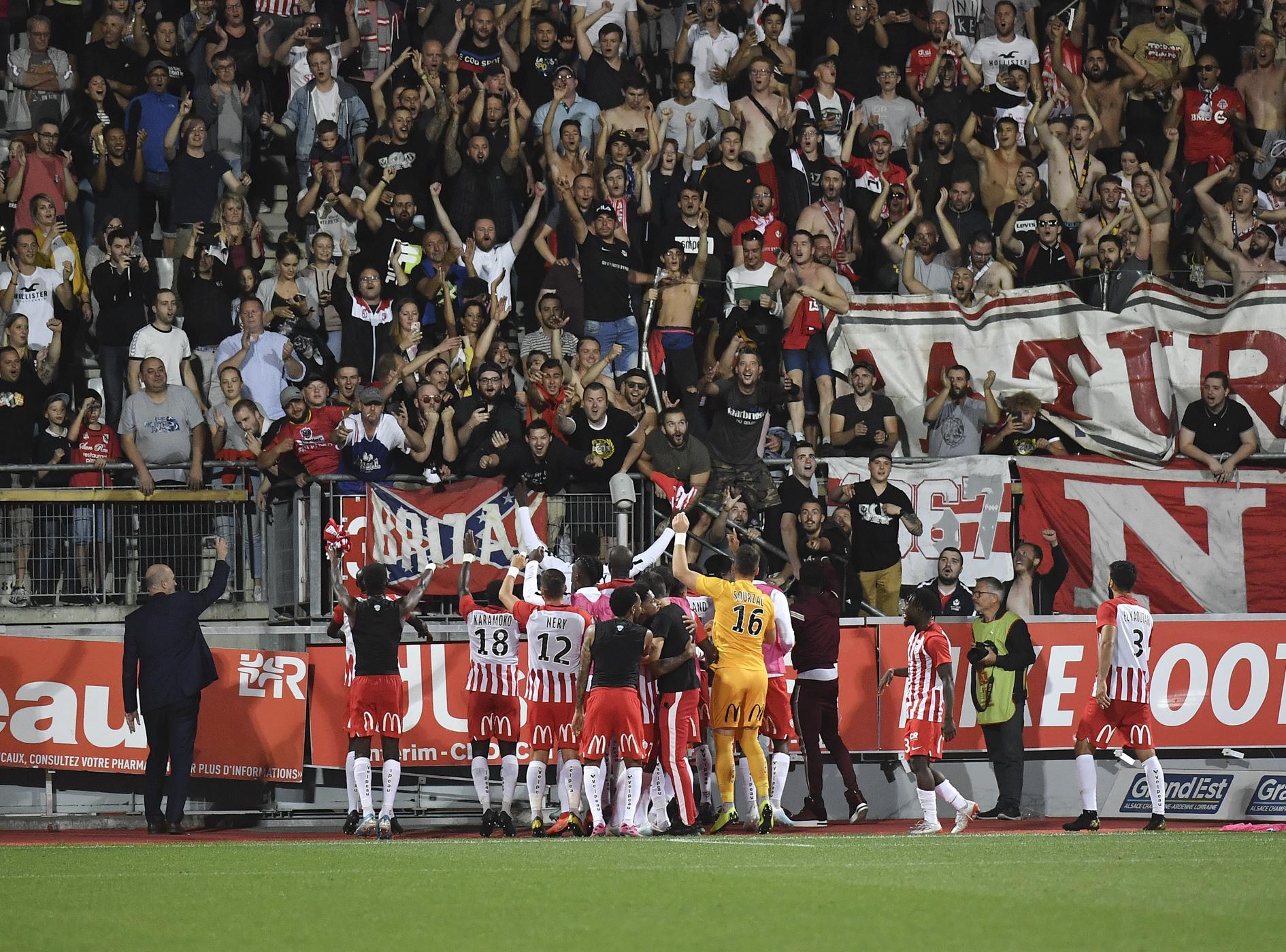 Football - Ligue 1 - Homphobie dans les stades : les premières sanctions tombent