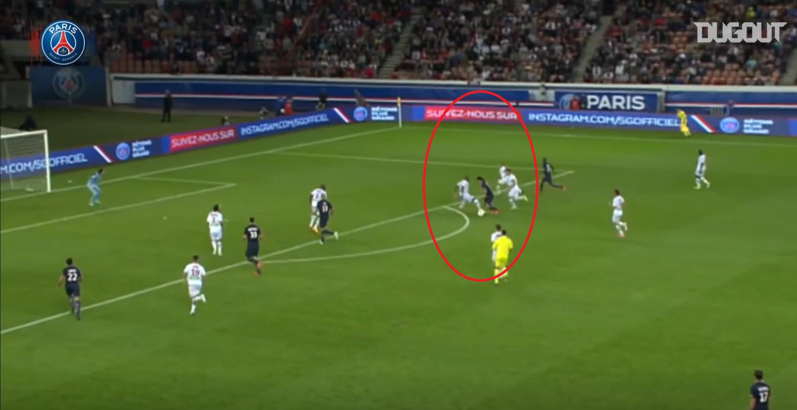 Football - Ligue 1 - Il y a 6 ans, Cavani signait au PSG : son sublime premier but en Ligue 1 en vidéo