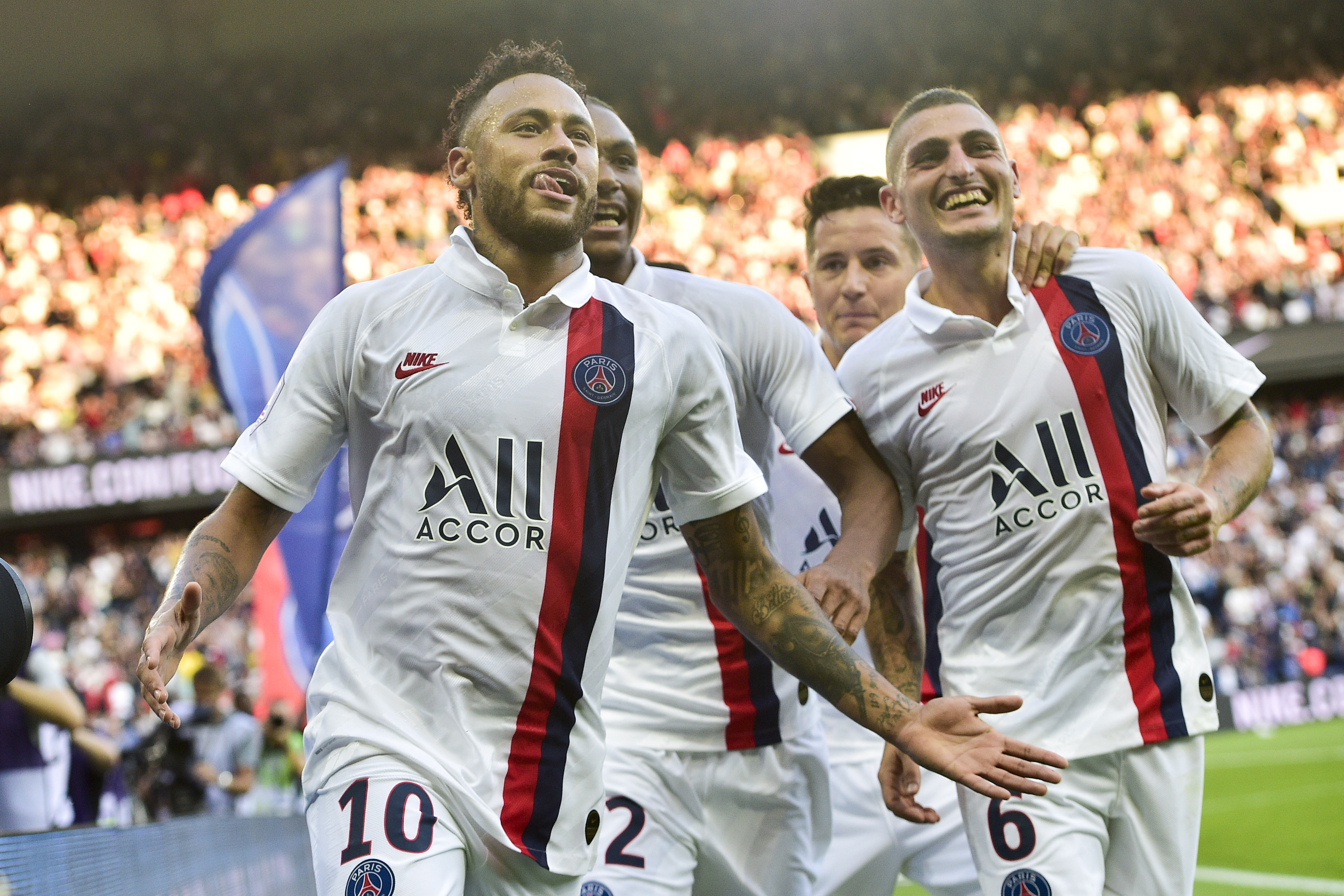 Football - Ligue 1 - Insulté, sifflé mais buteur providentiel, insubmersible Neymar