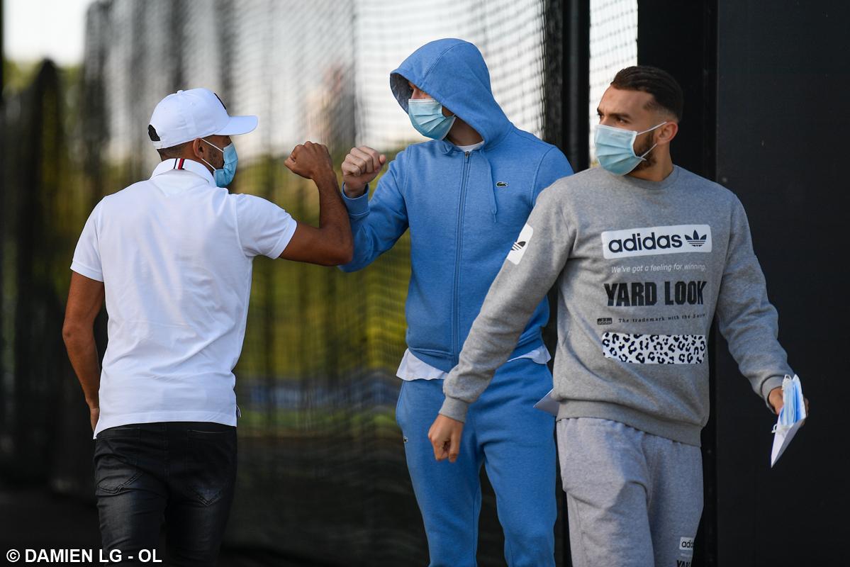 Football - Ligue 1 - L'OL de retour (masqué) à l'entraînement ... en attendant le verdict du Conseil d'Etat