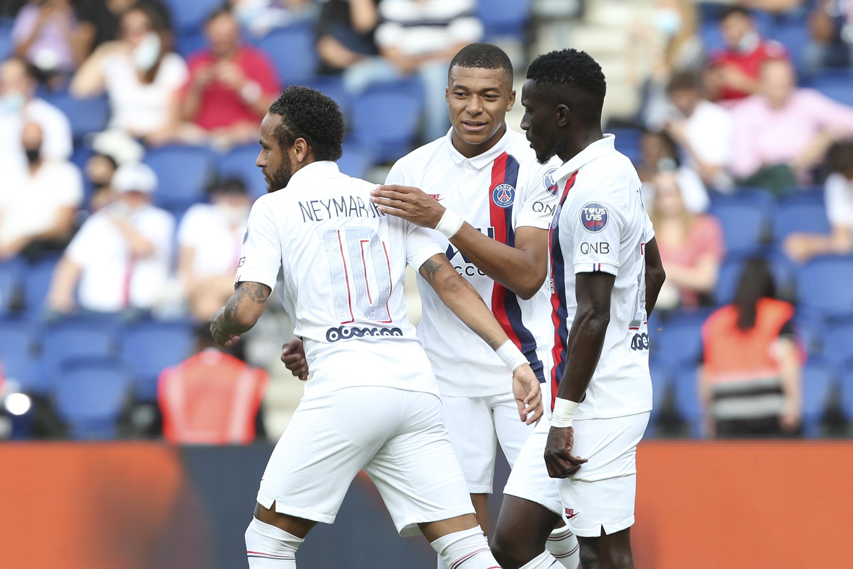Football - Ligue 1 - Le festival de buts du PSG face à Beveren (7-0)