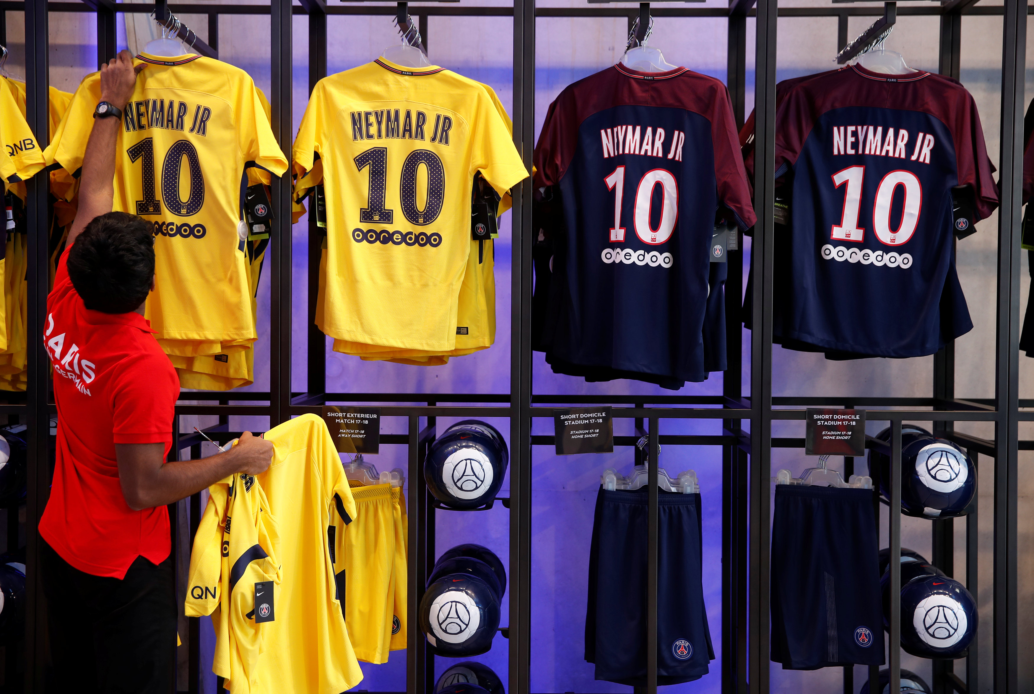 le psg a d j vendu maillots de neymar ligue 1. Black Bedroom Furniture Sets. Home Design Ideas