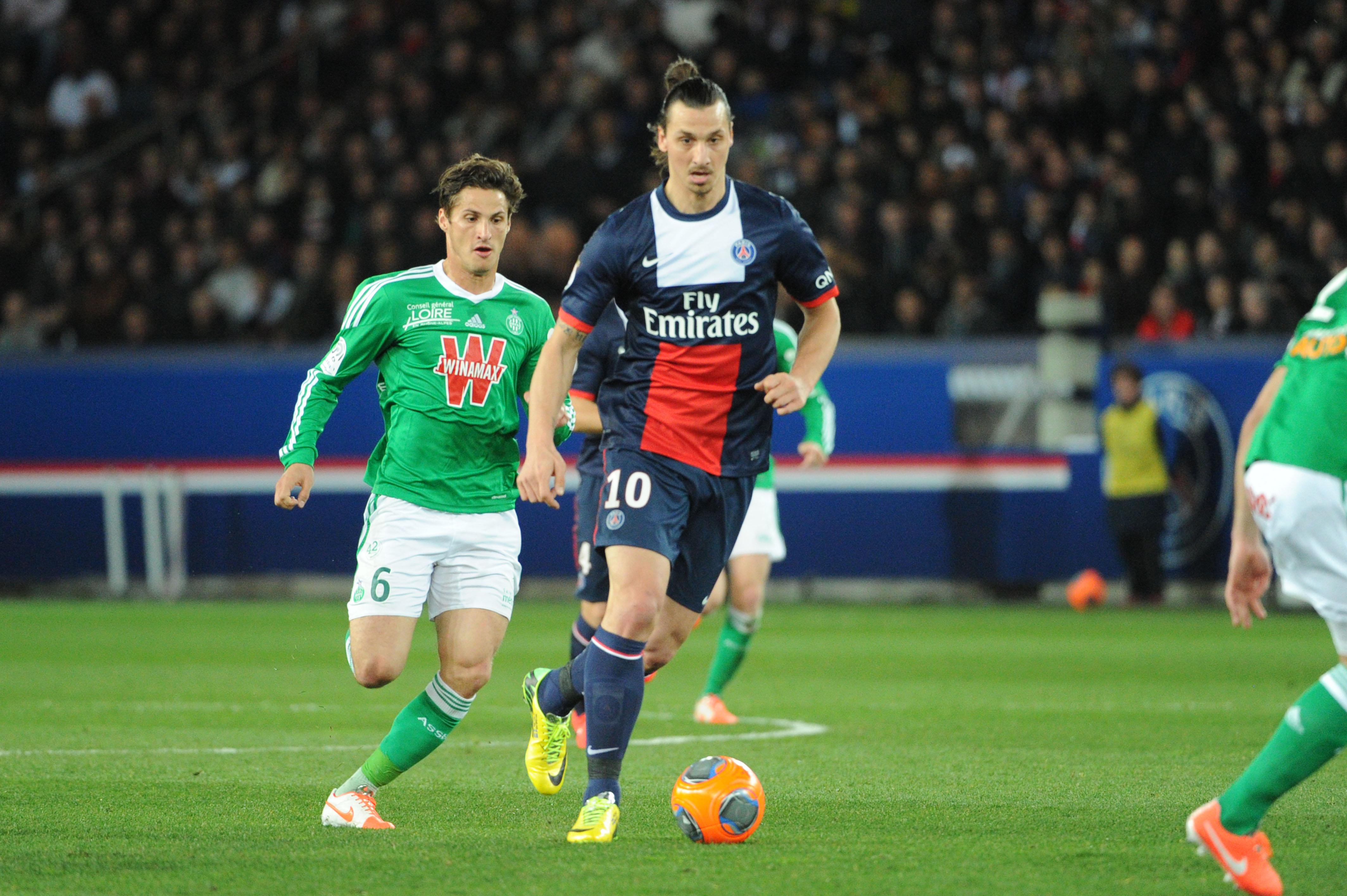 Football - Ligue 1 - Le superbe but de Zlatan Ibrahimovic contre Saint-Etienne en 2016