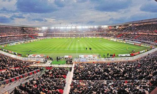 les qatariens en piste pour r nover le parc des princes ligue 1 football. Black Bedroom Furniture Sets. Home Design Ideas