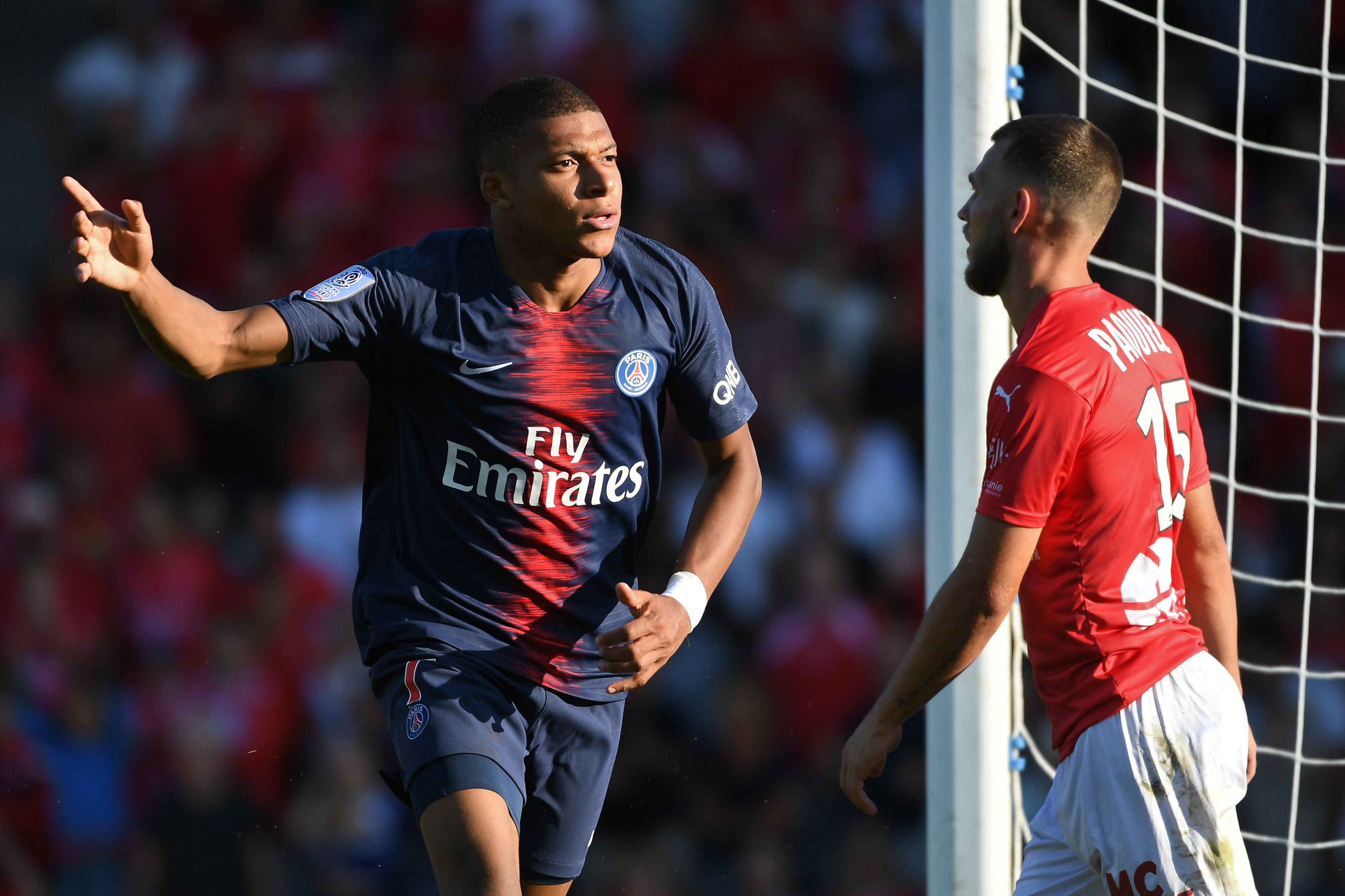 Le Psg S En Sort A Nimes Mbappe Brille Puis Craque Ligue 1 Football
