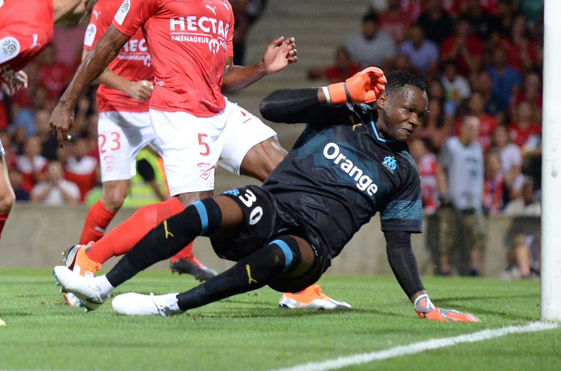Football - Ligue 1 - Mandanda absent entre 3 et 4 semaines