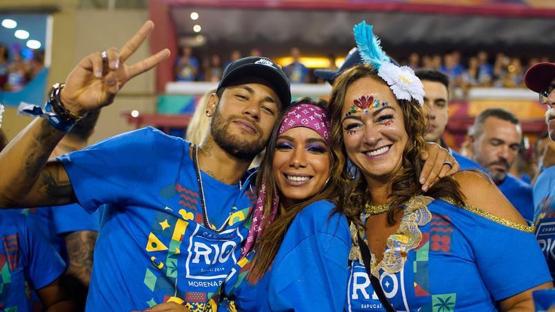 Football - Ligue 1 - Neymar au carnaval de Rio avant de rejoindre Paris