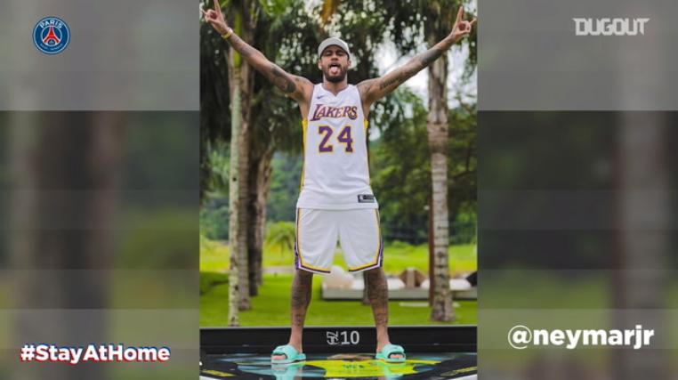 Football - Ligue 1 - Neymar rend hommage à Kobe Bryant pendant le confinement