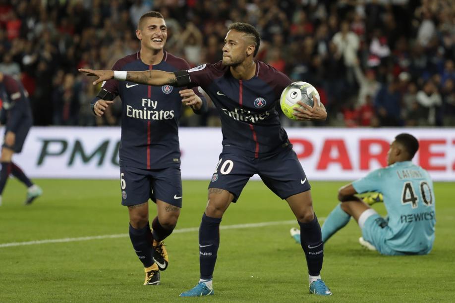 Football - Ligue 1 - Neymar rend hommage à Matuidi avec la célébration «charo»