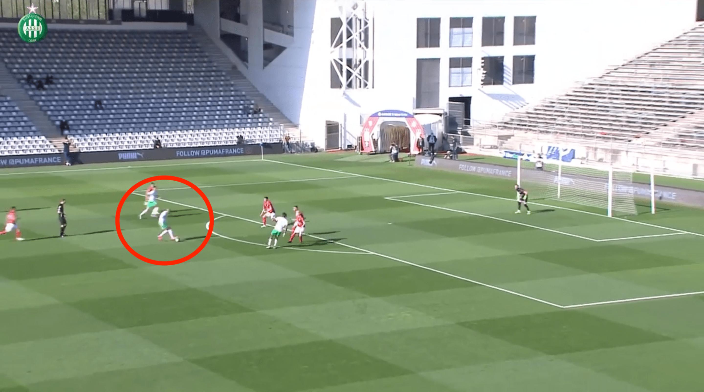 Football - Ligue 1 - Nîmes - Saint-Étienne : le superbe but de Khazri pour assomer les Crocos