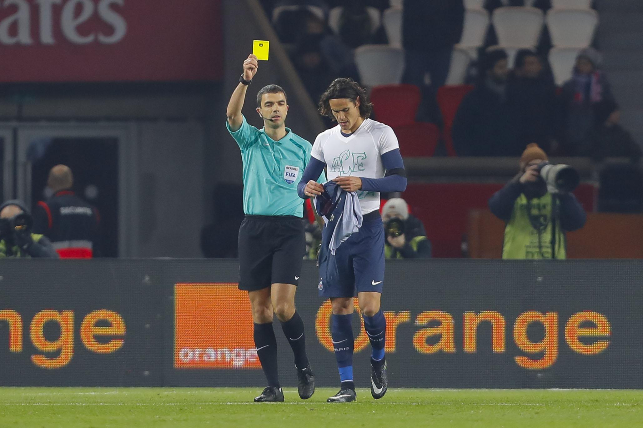 Football - Ligue 1 - Pas de carton pour Cavani ? «L'arbitre aurait créé une jurisprudence»