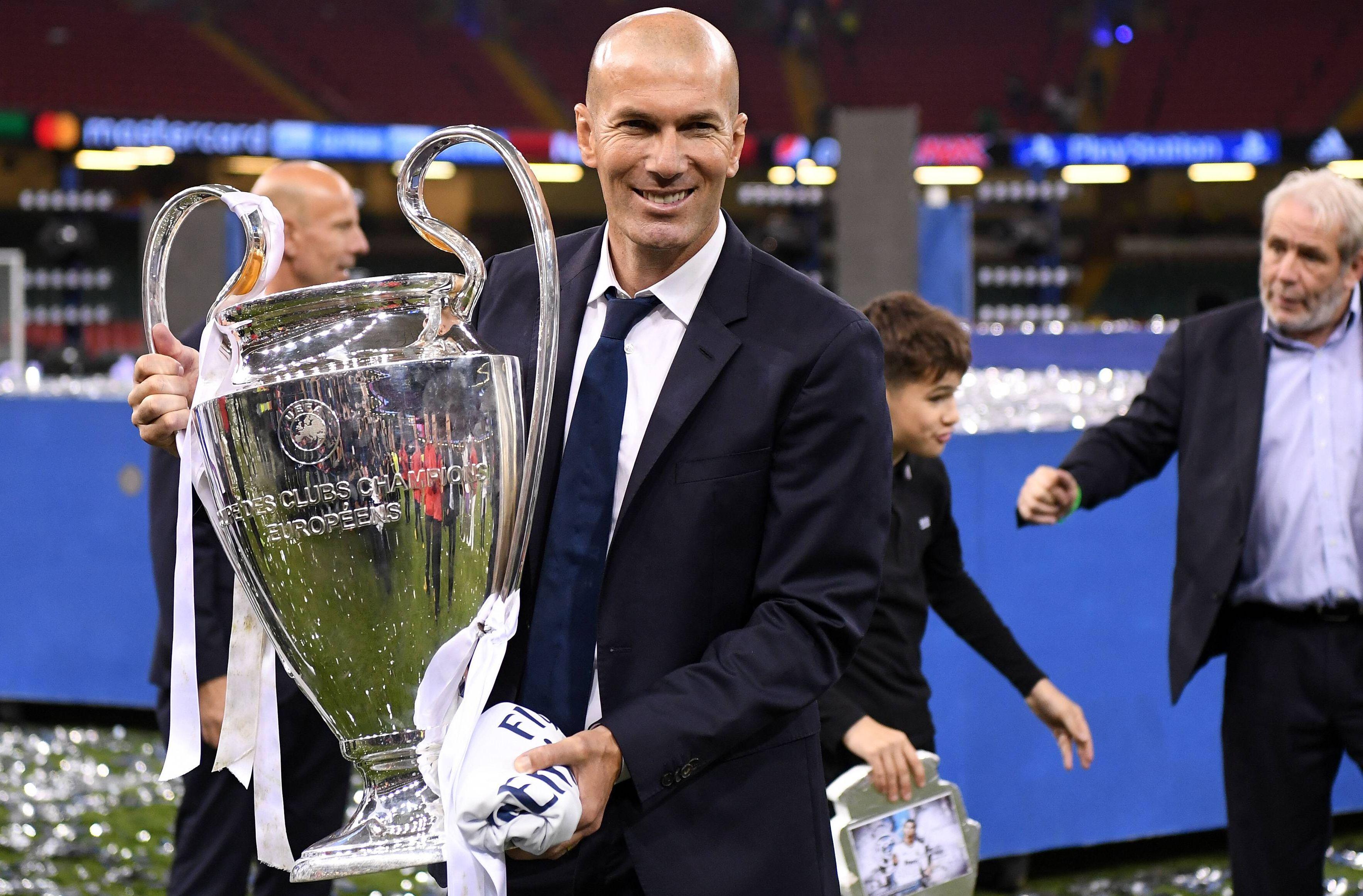 Football - Ligue 1 - PSG : Al-Khelaïfi voulait remplacer Emery par Zidane