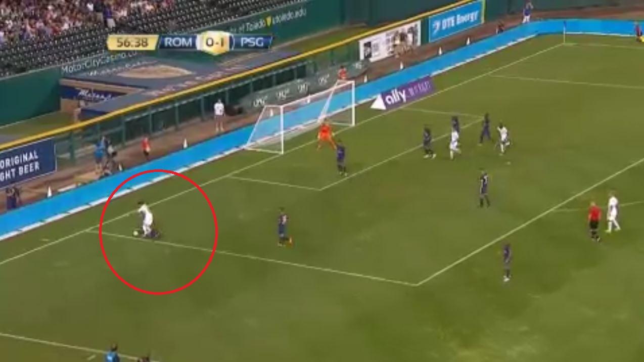 Football - Ligue 1 - PSG : Dani Alves aurait pu (dû ?) être sanctionné d'un penalty contre la Roma