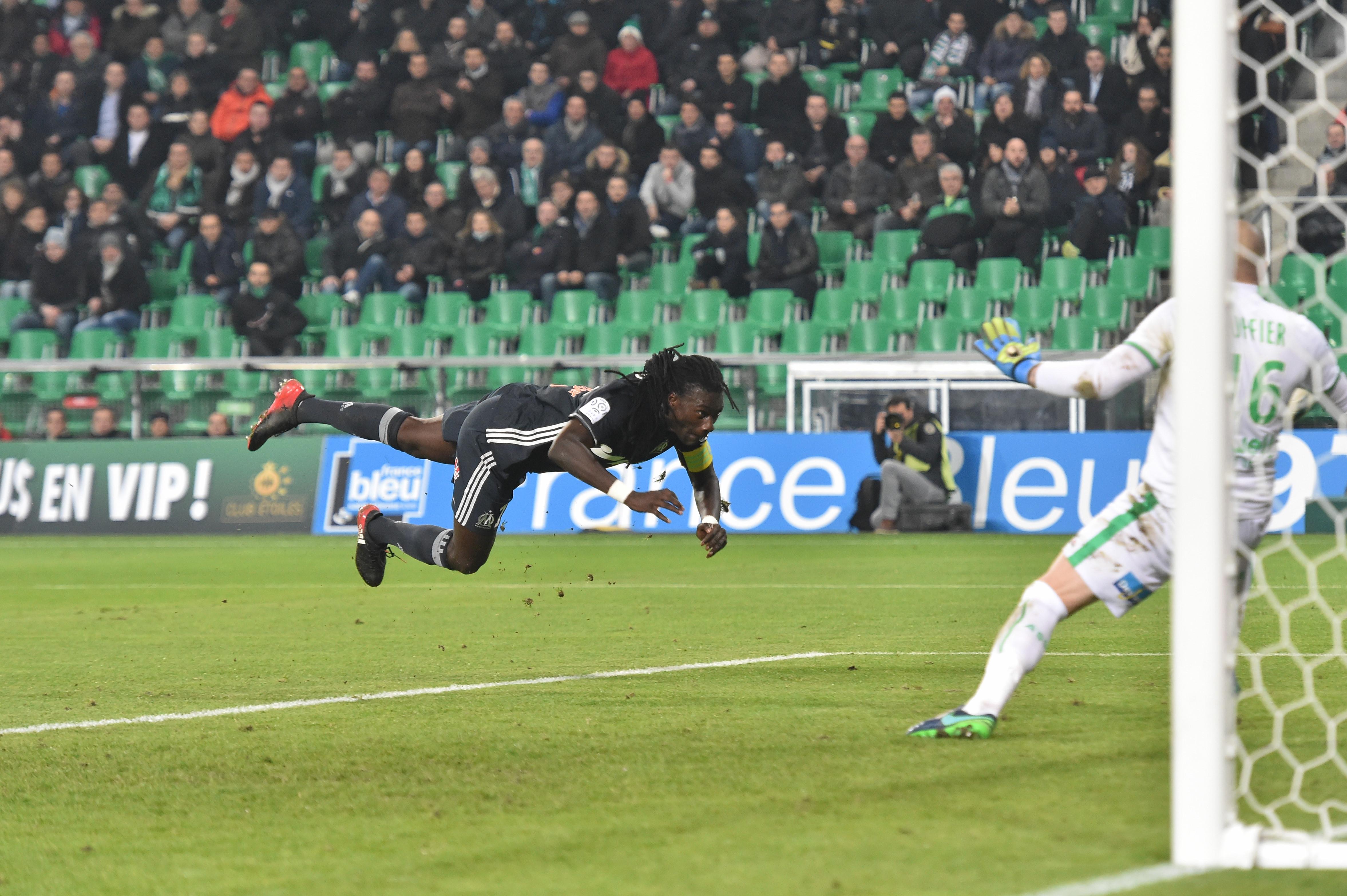 Football - Ligue 1 - Saint-Etienne-Marseille : Ruffier impérial, Gomis encore muet