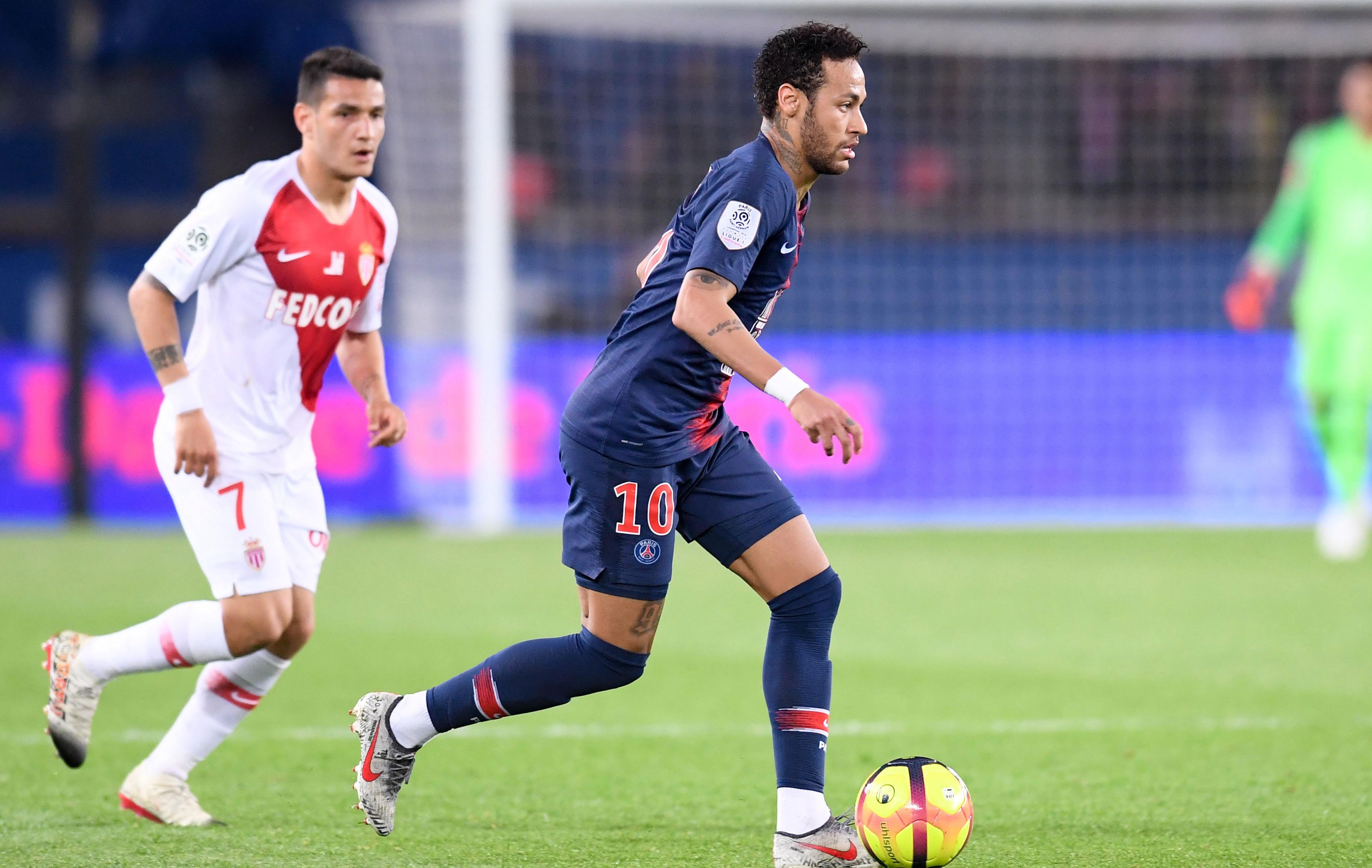 Football - Ligue 1 - Neymar s'est blessé face à Strasbourg «parce qu'il ne s'est pas laissé tomber»