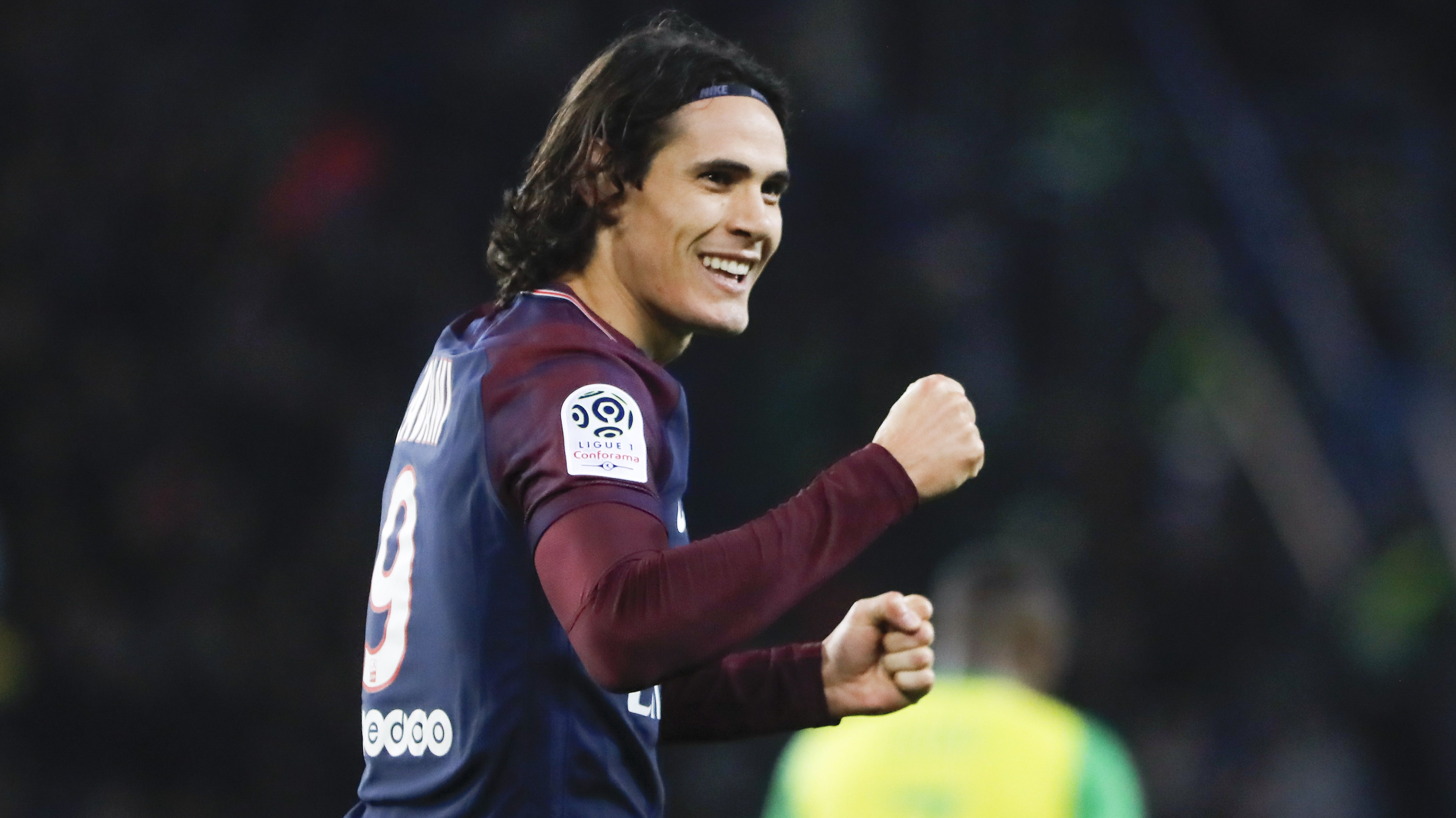 Football - Ligue 1 - Toujours plus fort, Cavani se rapproche du record d'Ibrahimovic