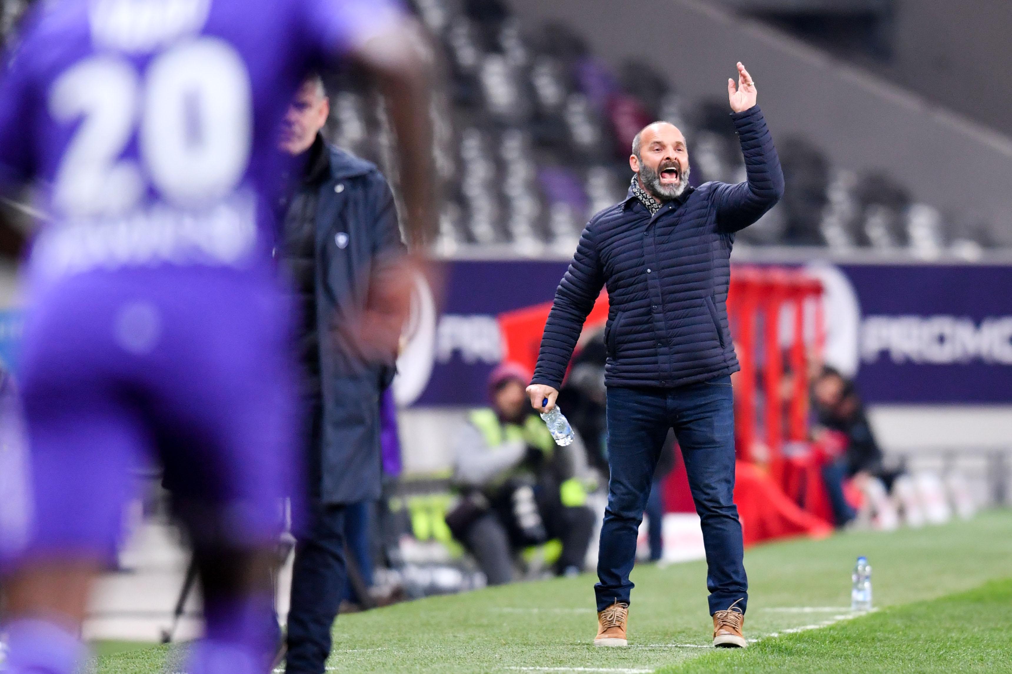 Football - Ligue 1 - Victime d'un malaise, Pascal Dupraz manquera le match face à Saint-Etienne