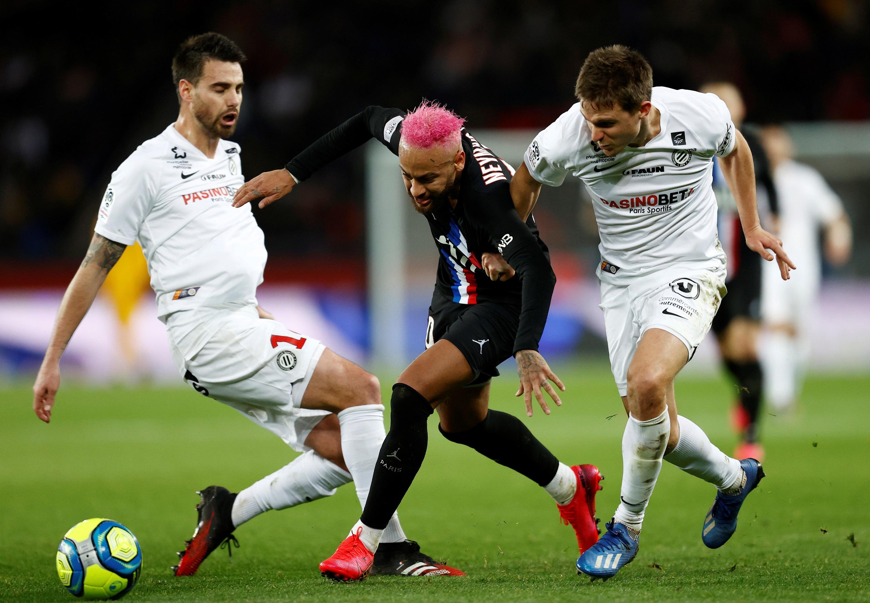 Football - Ligue 1 - Virgule, petit-pont, passe en talonnade...Les plus beaux gestes de la saison des joueurs parisiens