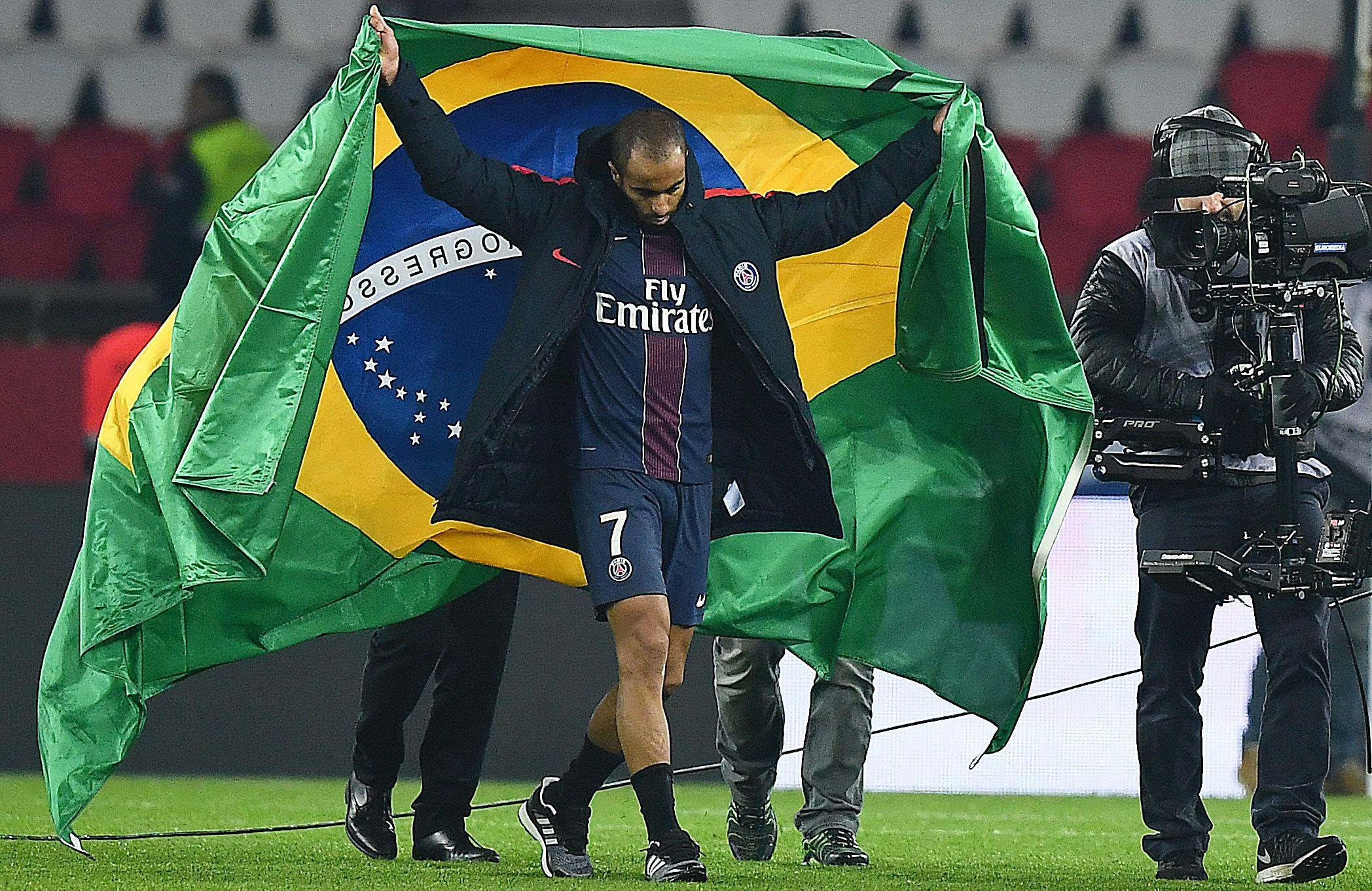 Football - Ligue 1 - Lucas : «J'ai perdu des amis, des gens qui m'ont beaucoup aidé»