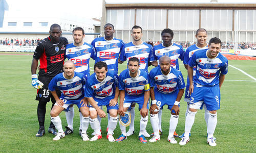 Objectif survie pour troyes troyes homes clubs ligue for Match estac