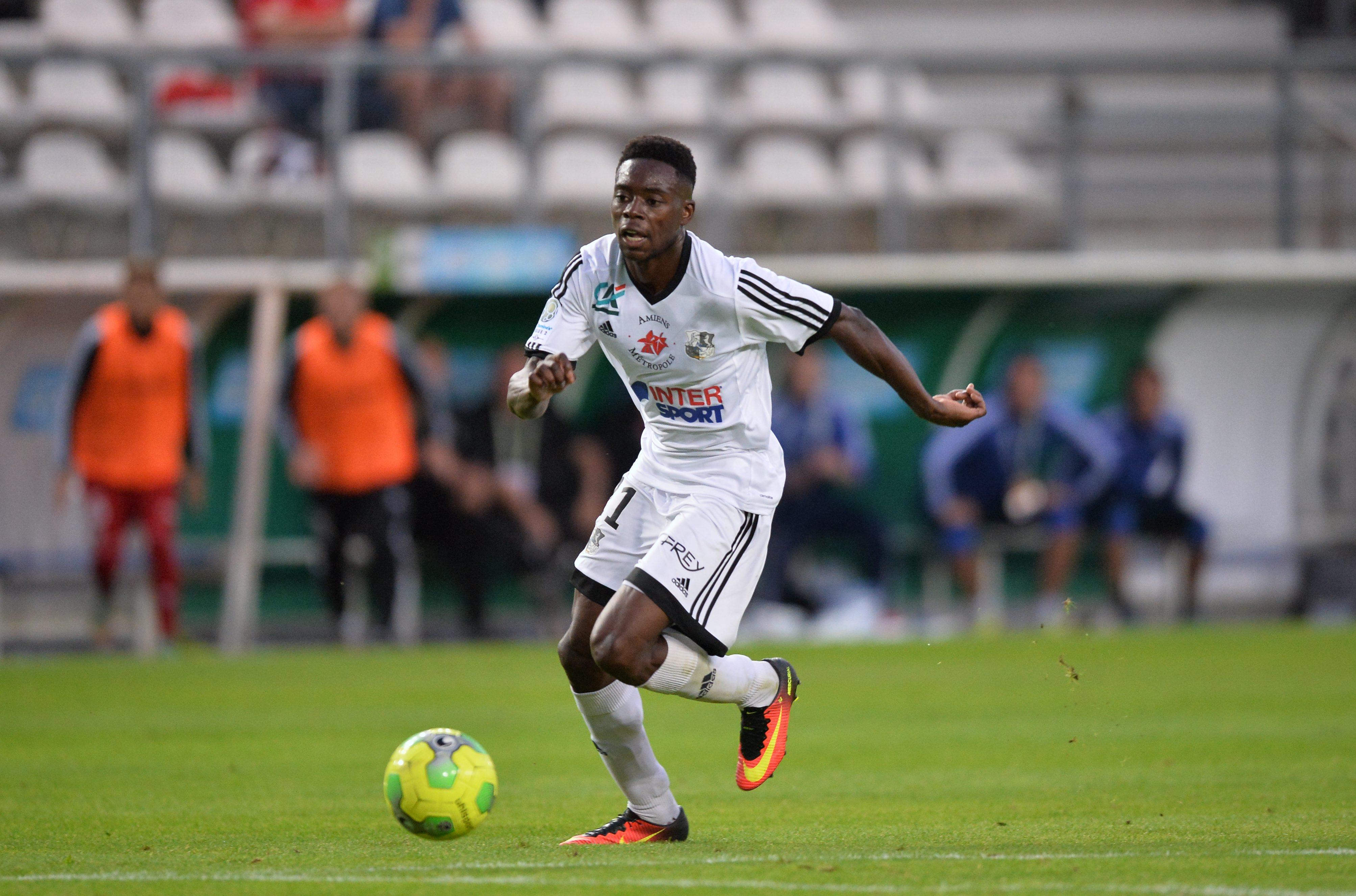 Football - Ligue 2 - Amiens prend les commandes