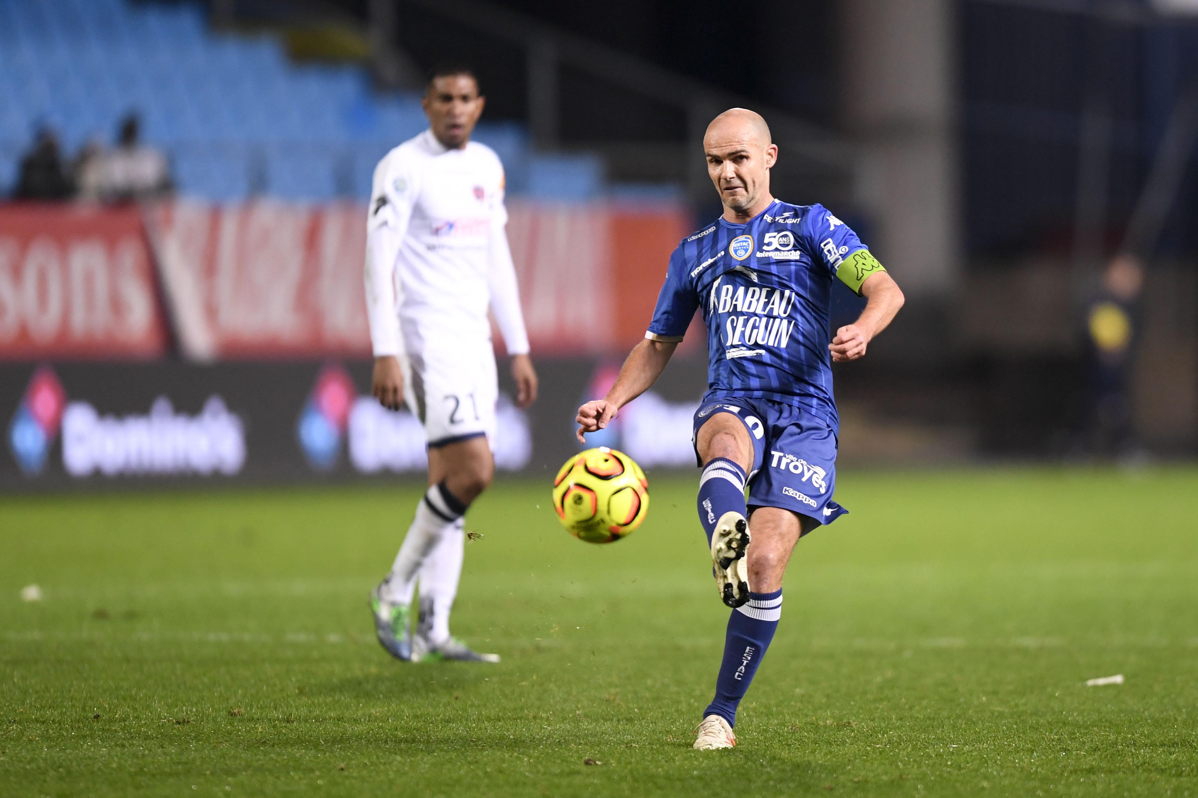 Football - Ligue 2 - Barrages L1/L2: Troyes-Lens en direct