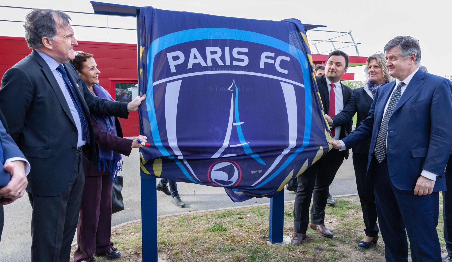 Football - Ligue 2 - Dans l'ombre du PSG, le Paris FC fait son trou et rêve de Ligue 1