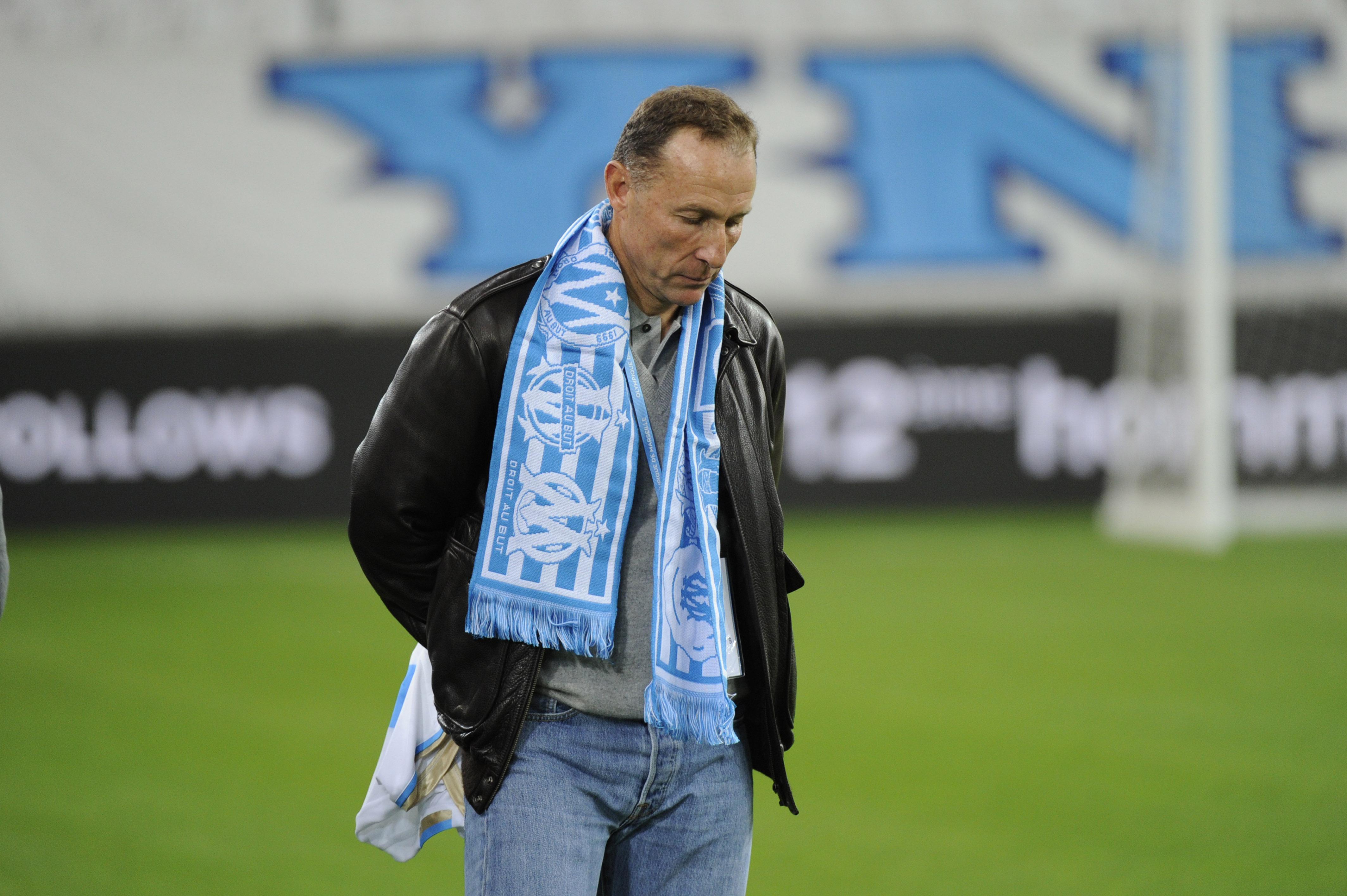 Football - Ligue 2 - Auxerre: Guy Roux l'emporte par K-O face à Papin