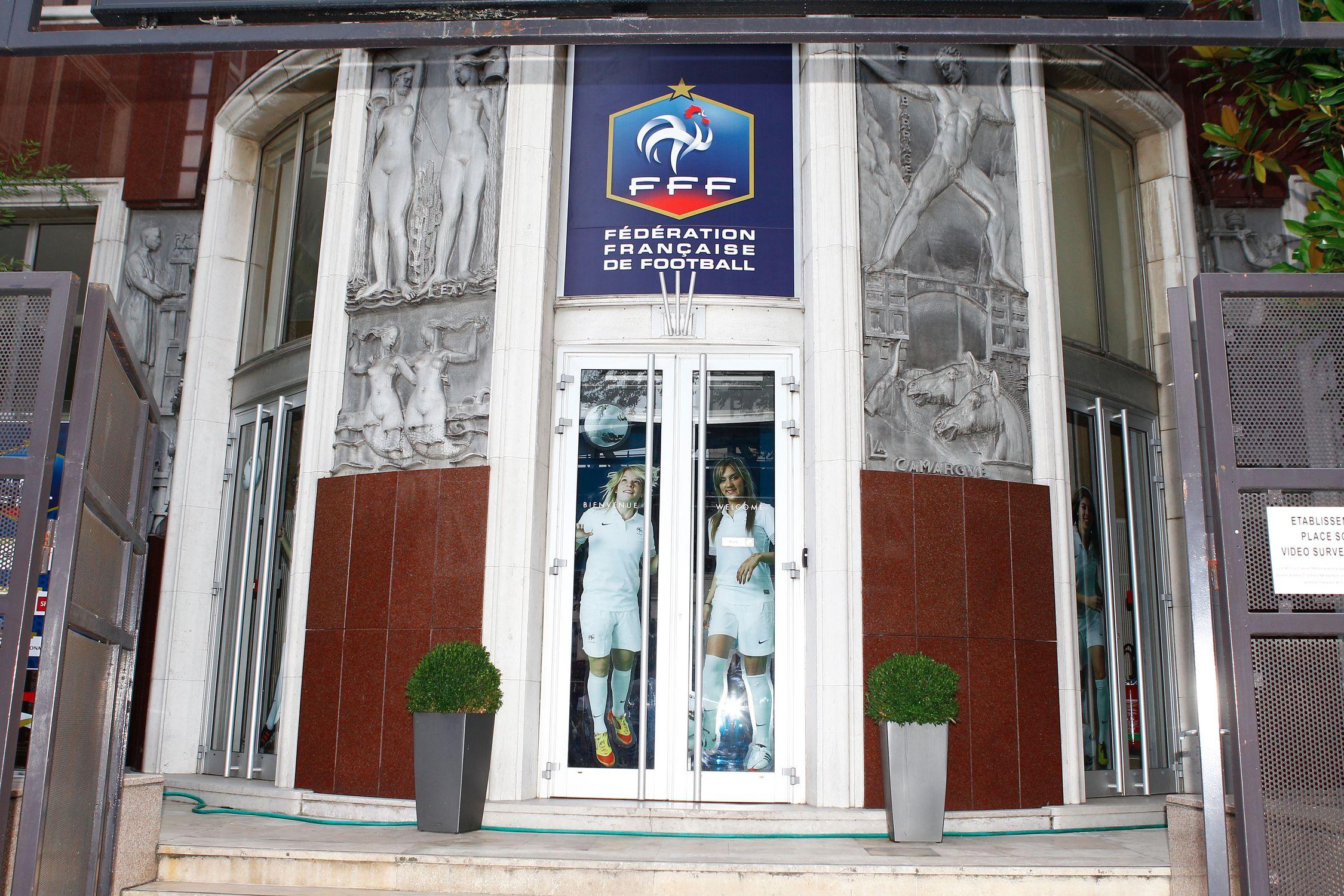 Football - Ligue 2 - Le CNOSF rejette la demande du Mans et d'Orléans