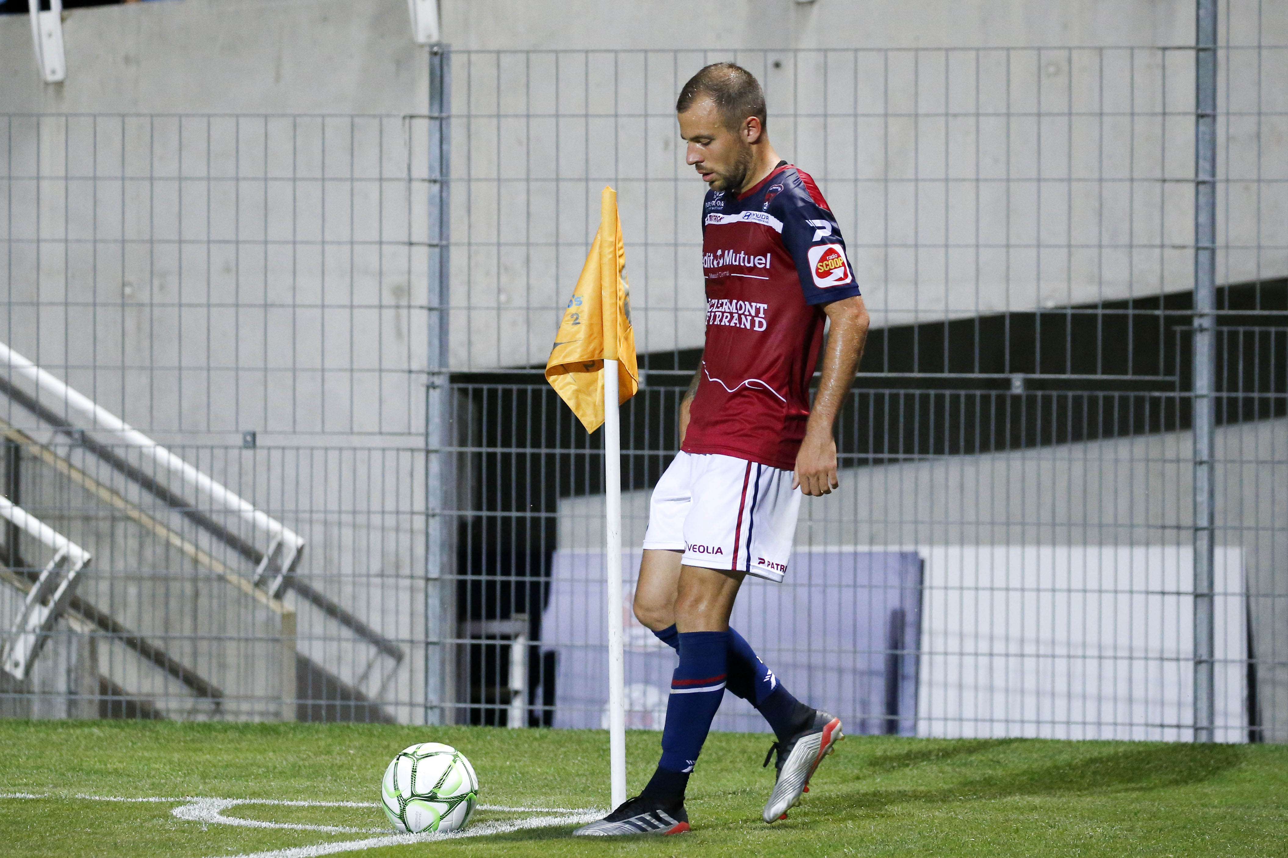 Football - Ligue 2 - Ligue 2 : Clermont-Lens en direct