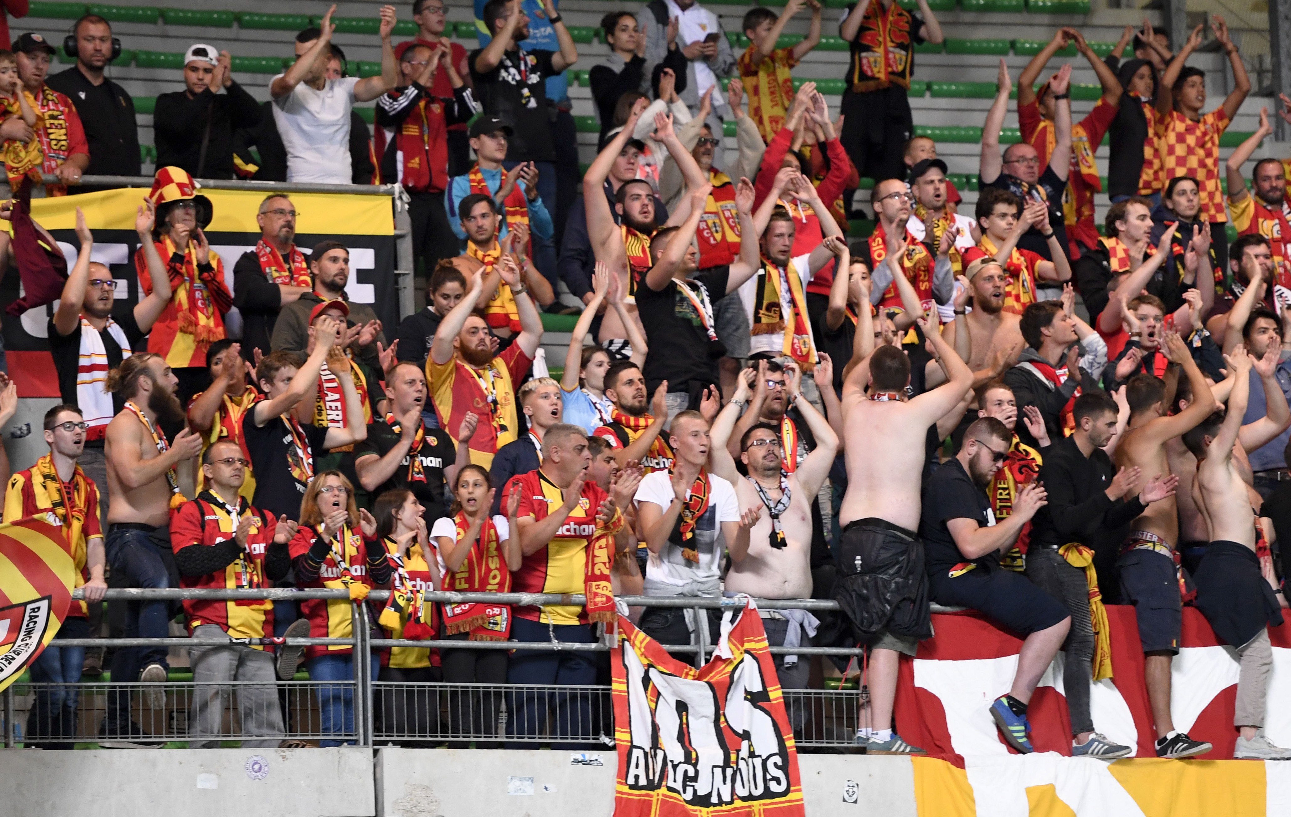 Football - Ligue 2 - Ligue 2 : Lens-Le Havre en direct