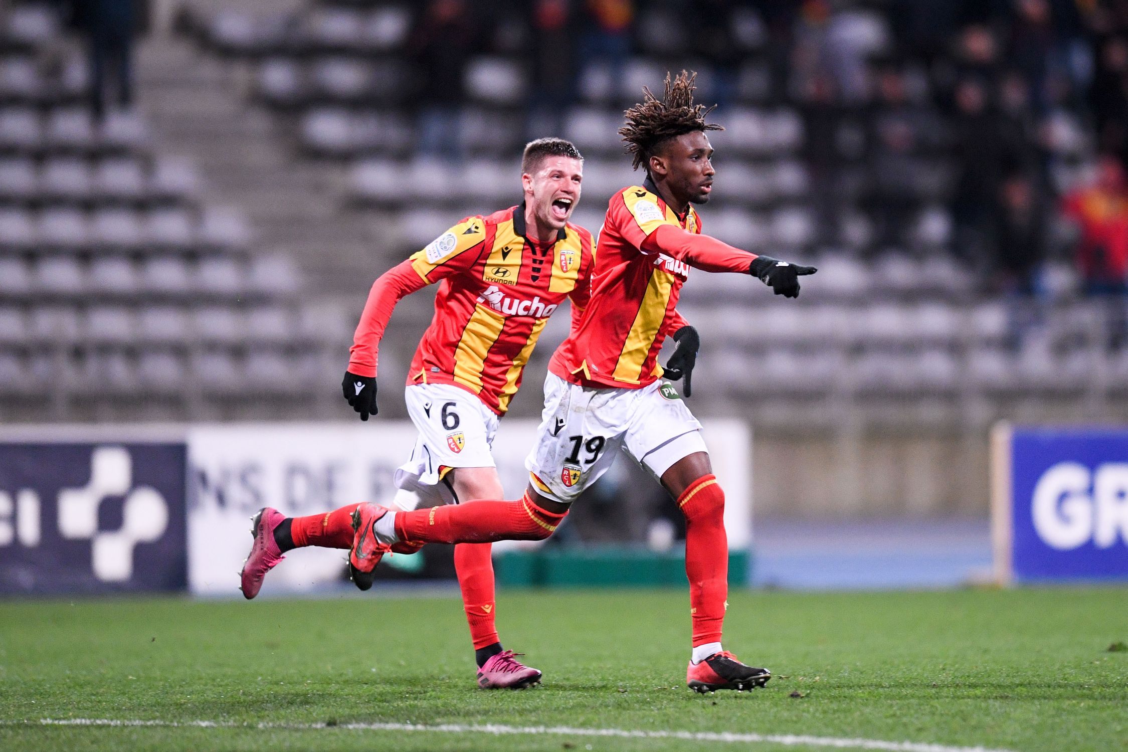 Football - Ligue 2 - Ligue 2 : Lens-Orléans en direct