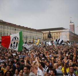 Une ferveur incroyable dans les rues de Turin avant le match
