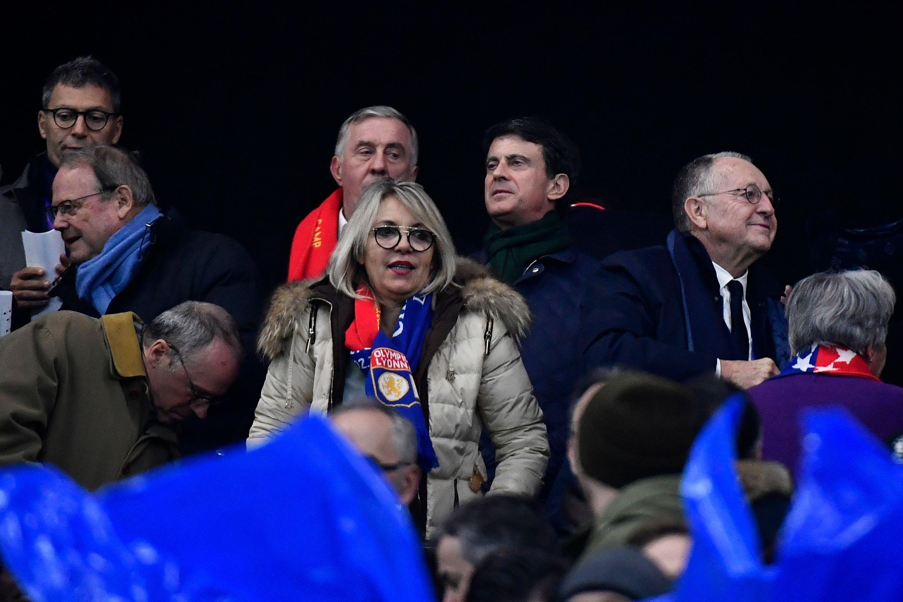 Football - Ligue des champions - Aulas dans le vestiaire à la mi-temps d'OL-Barça : «J'avais une ou deux questions à poser»