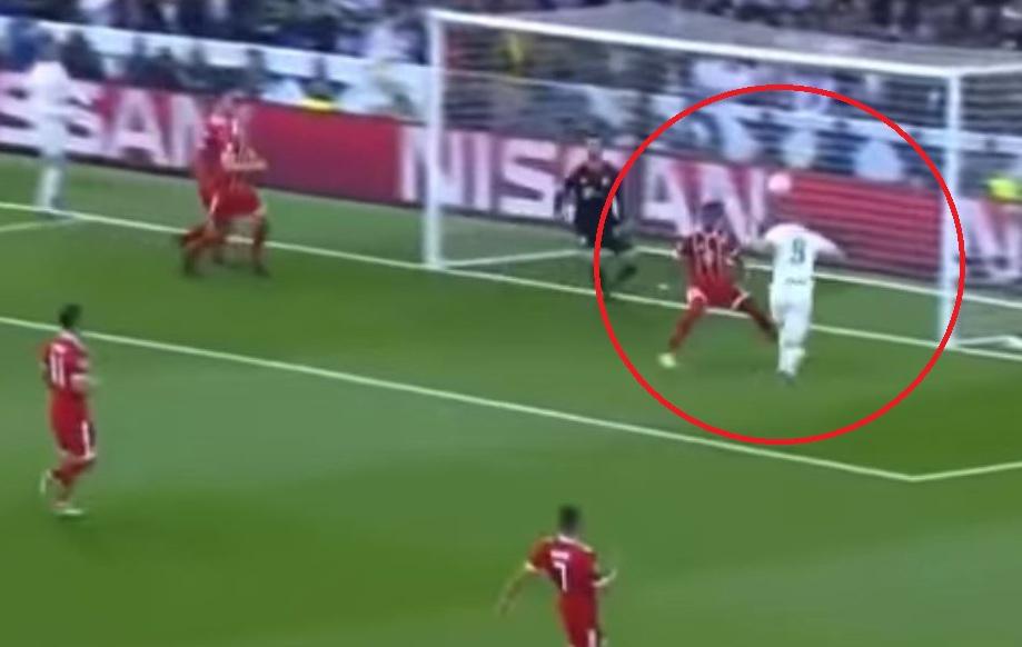 Le doublé de Benzema face au Bayern Munich (vidéo) - Ligue des champions -  Football 965ba1b79d356