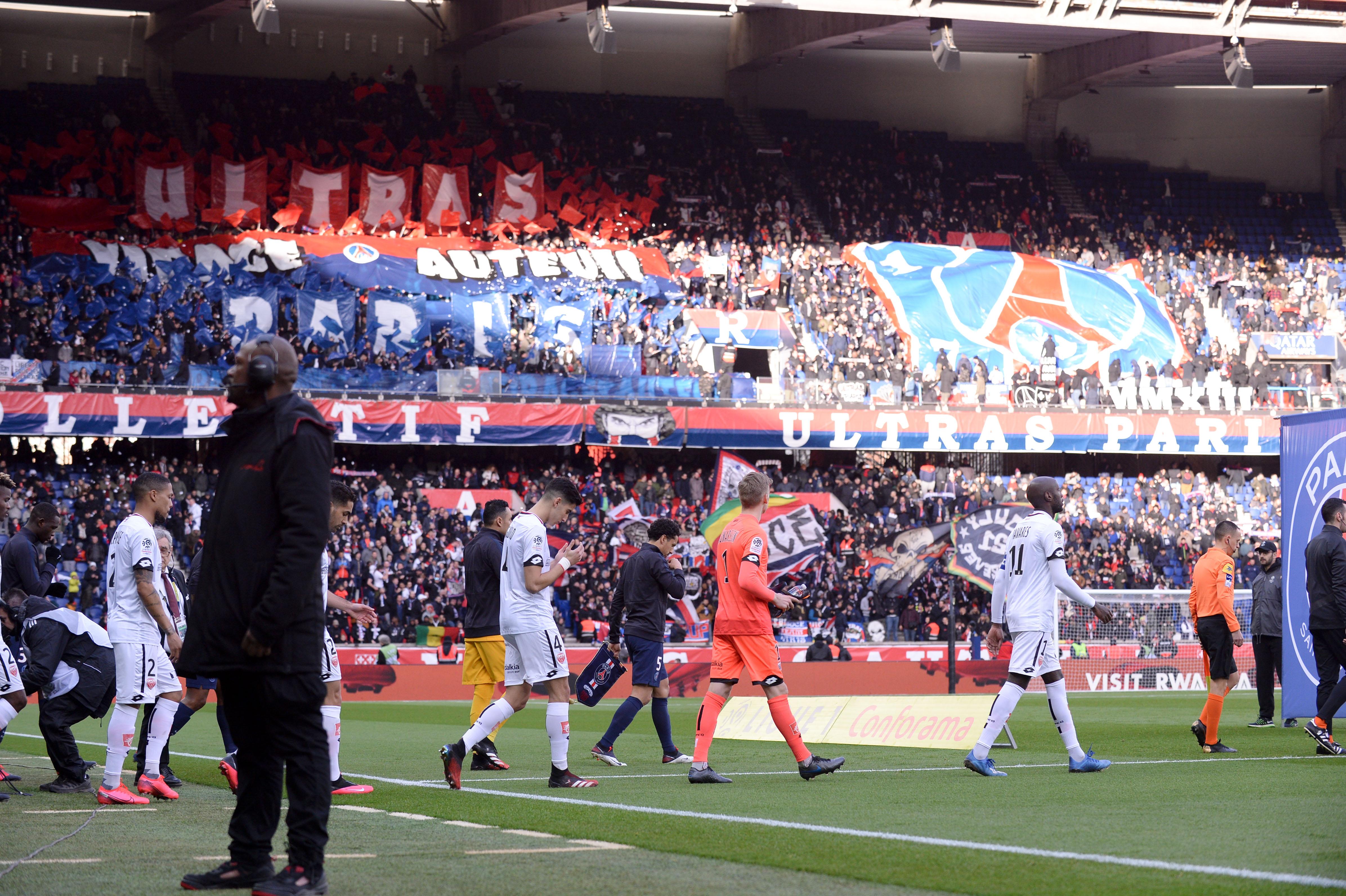 Football - Ligue des champions - Coronavirus : 5 questions sur le huis-clos de PSG-Dortmund
