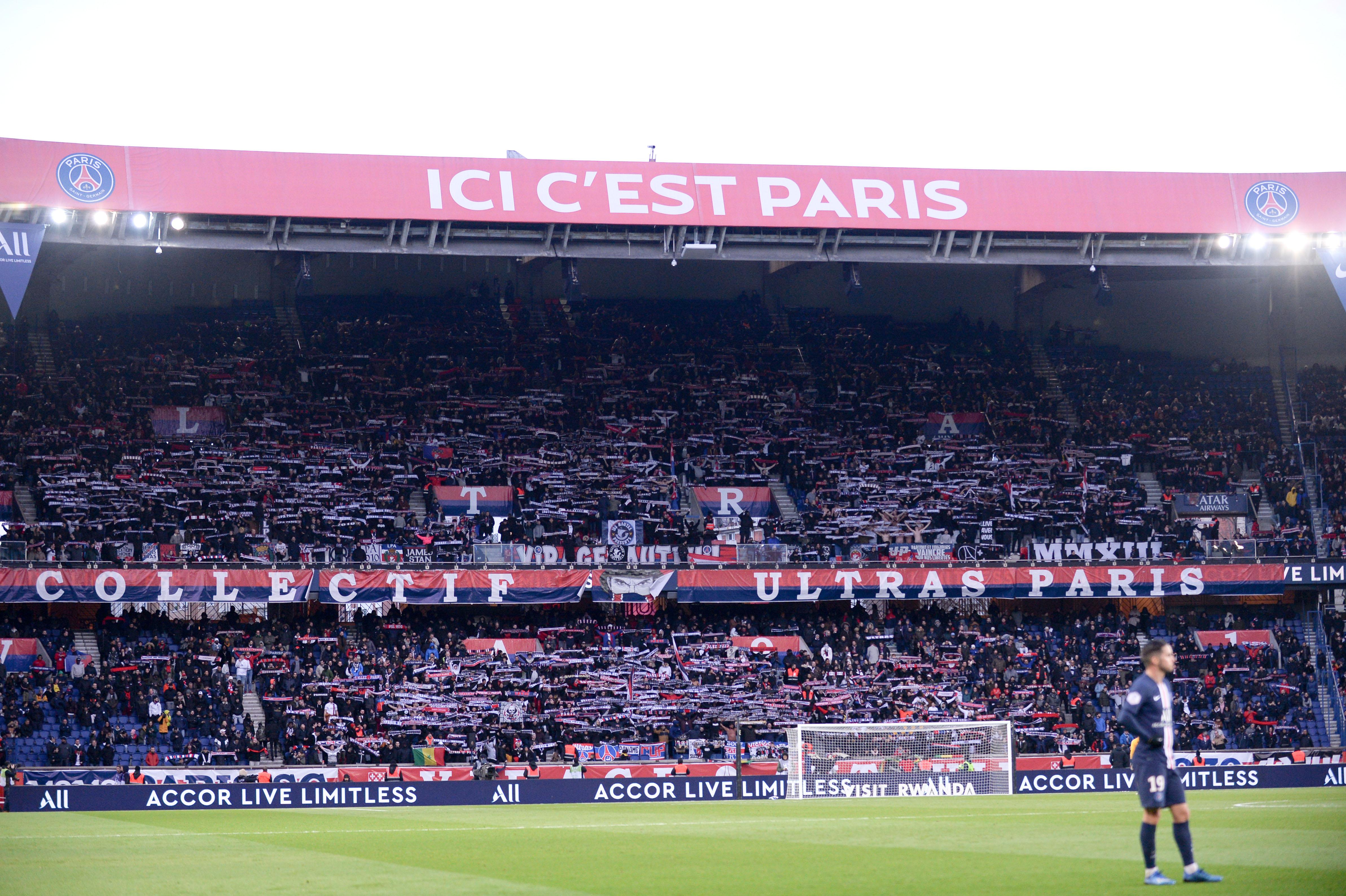 Football - Ligue des champions - Coronavirus: PSG-Dortmund à huis-clos, France-Irlande reporté