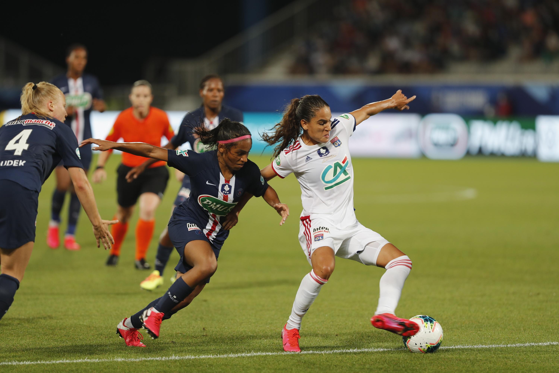 Football - Ligue des champions - Demi-finale PSG-Lyon : les filles pour faire mieux que les garçons