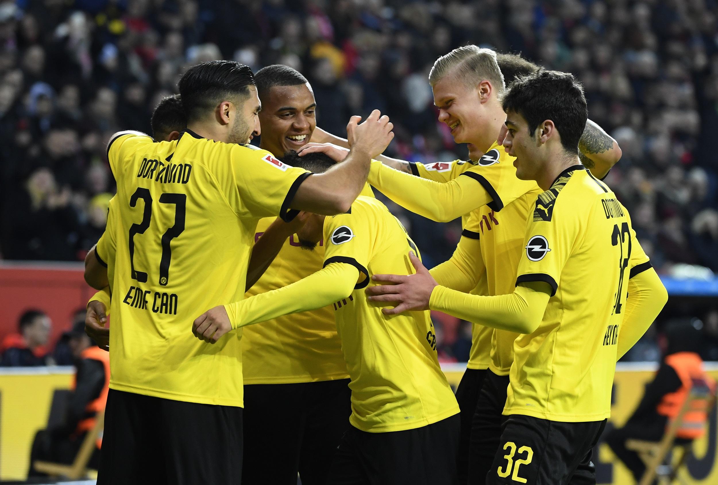 Football - Ligue des champions - Dortmund, show devant et... portes ouvertes derrière