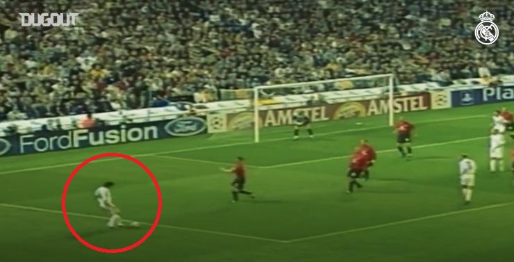 Football - Ligue des champions - Foot nostalgie : quand Luis Figo se jouait de Fabien Barthez en quart de finale de Ligue des champions