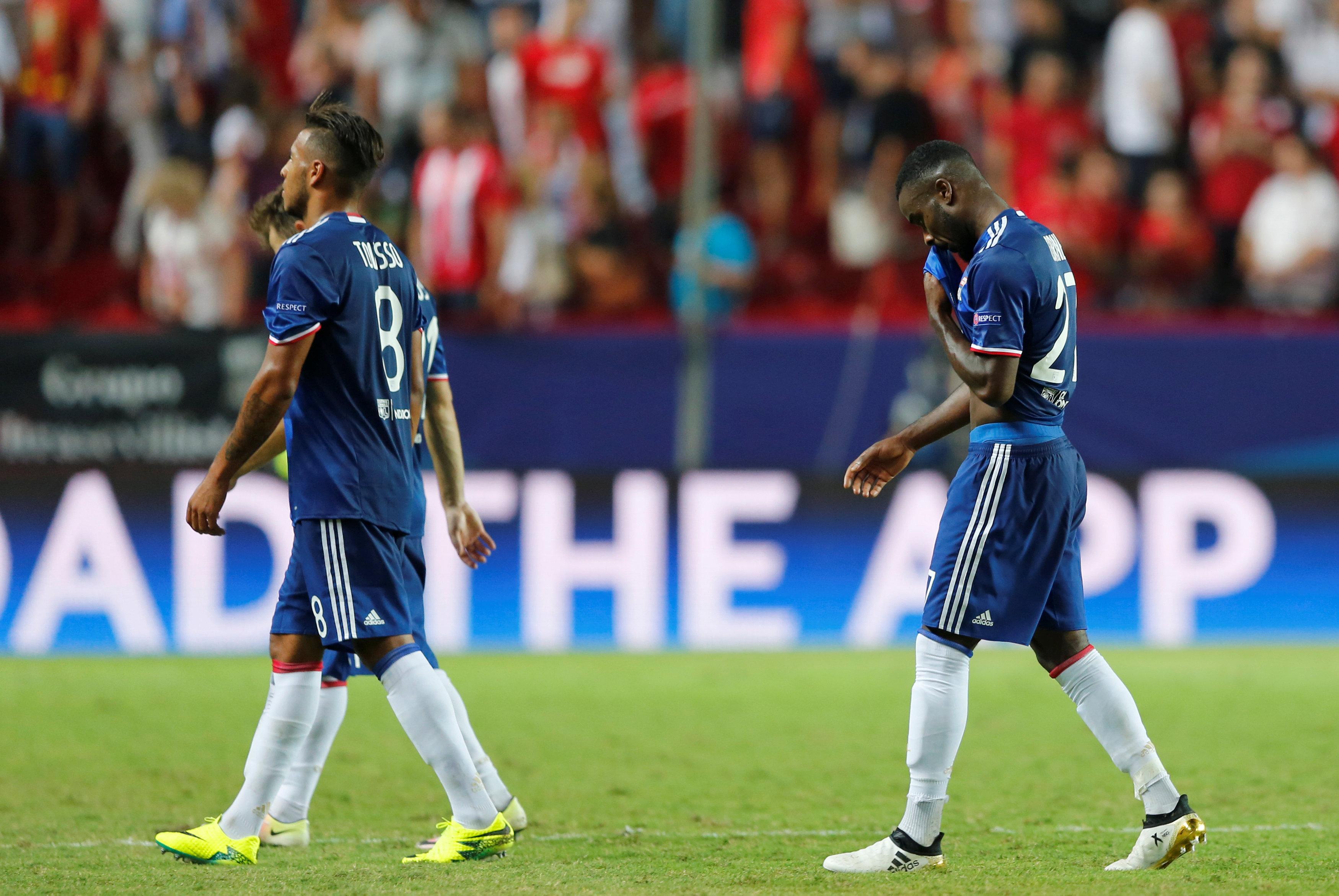 Football - Ligue des champions - «Inquiétude», «erreurs», «excuses» : Lyon repart de Séville avec un mal de tête