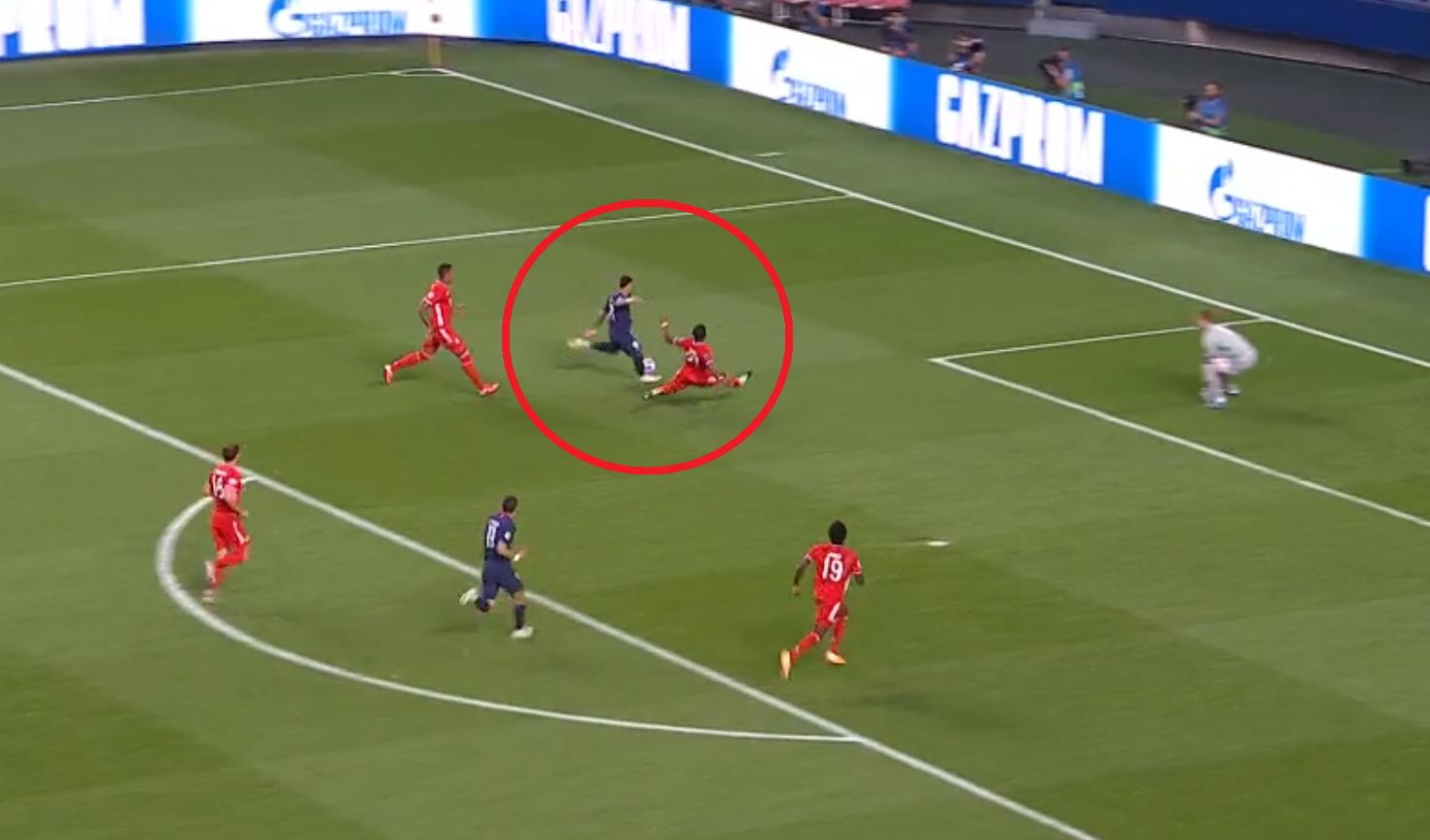 Football - Ligue des champions - Neuer qui écoeure les Parisiens, le poteau de Lewandowski, le but de Coman : revivez PSG-Bayern Munich en vidéo