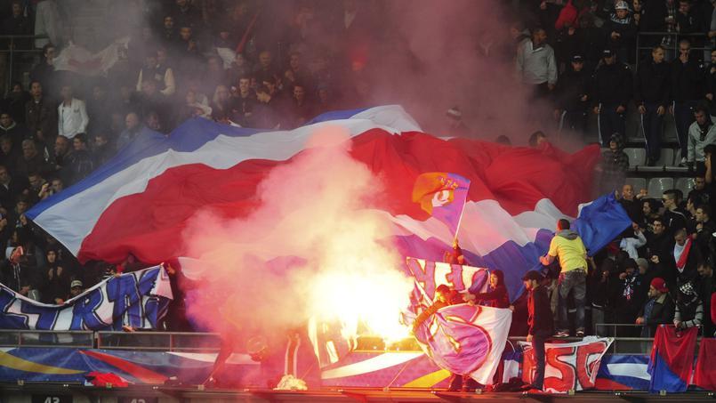 Football - Ligue des champions - Les supporters parisiens ont mis le bazar la nuit dernière devant l'hôtel du Real Madrid