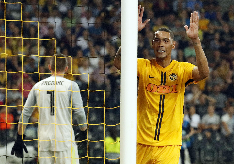Football - Ligue des champions - Ligue des champions : l'Ajax tranquille, Hoarau envoie Berne en poules