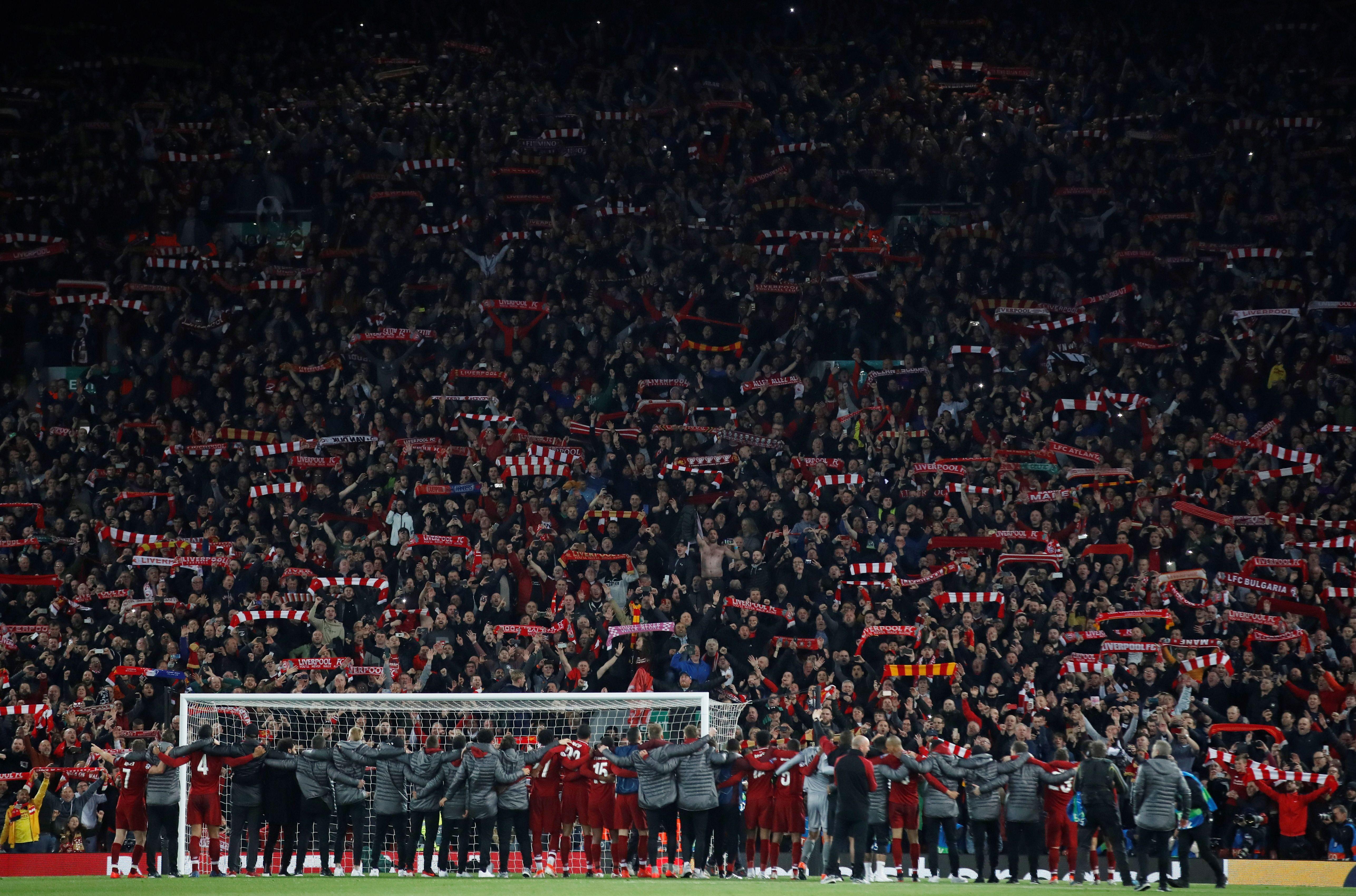 Football - Ligue des champions - Liverpool : d'où vient le chant «You'll never walk alone» ?
