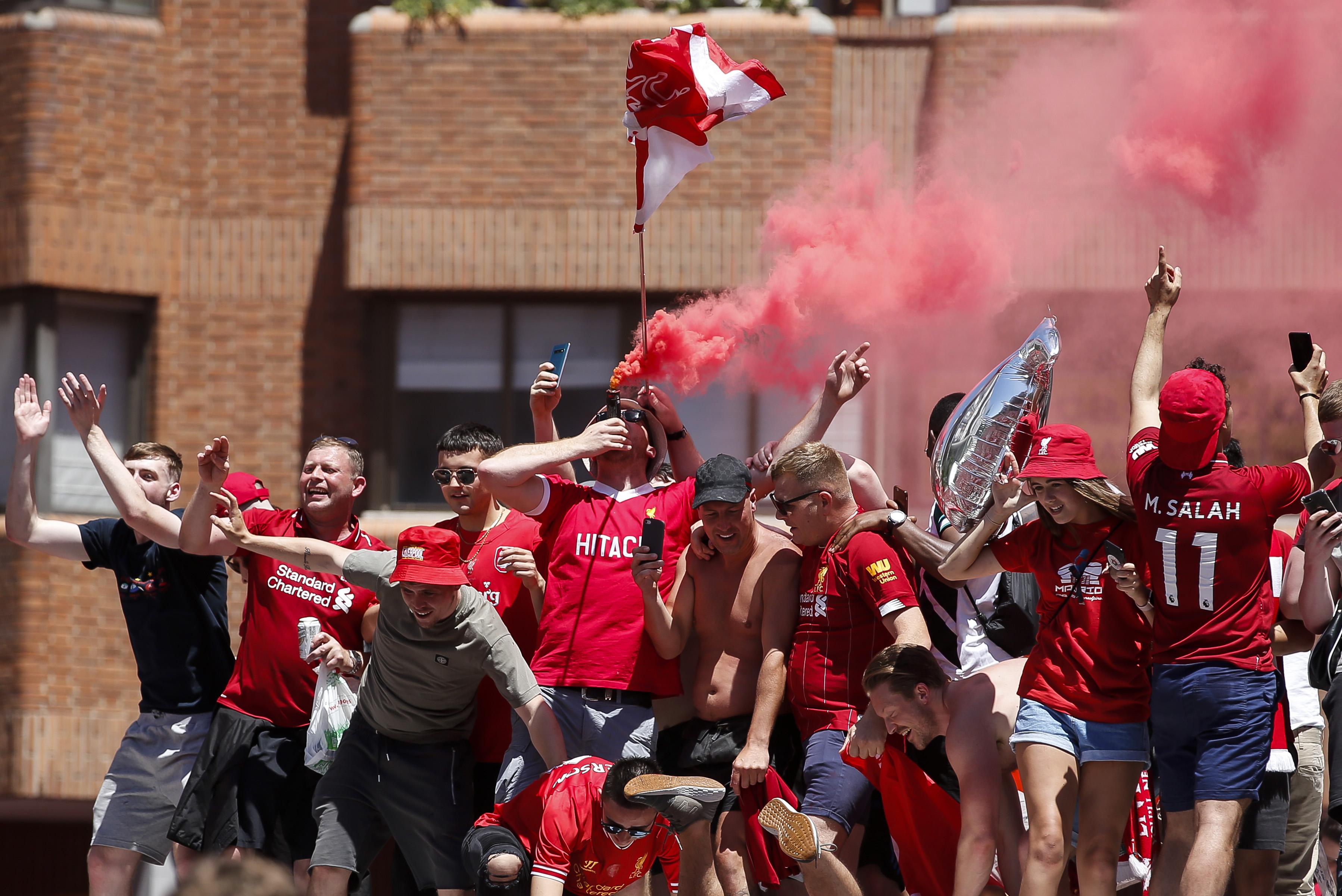Football - Ligue des champions - Marée rouge sur Madrid avant la finale de la Ligue des champions (vidéo)