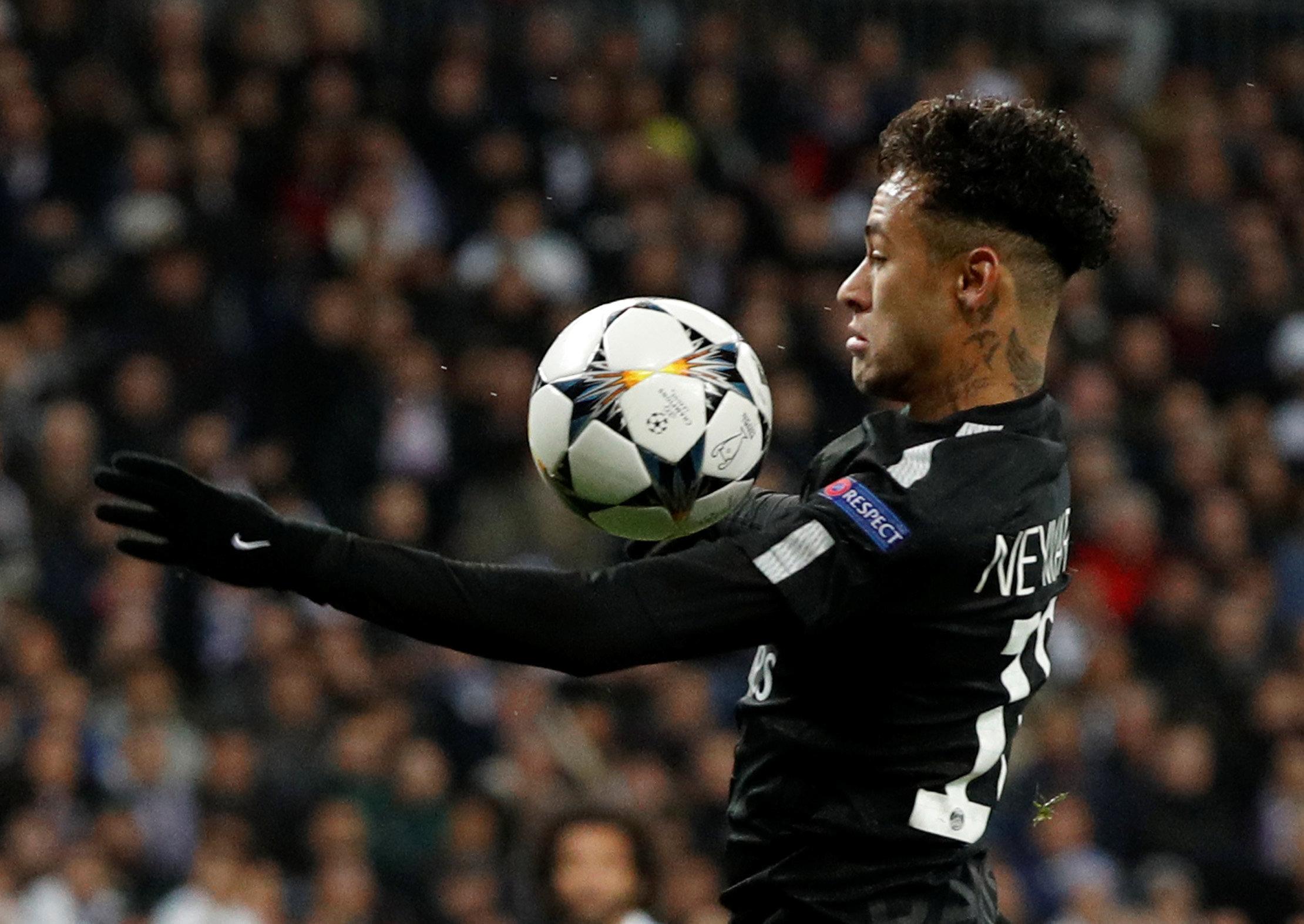 Football - Ligue des champions - Neymar, une première occasion ratée